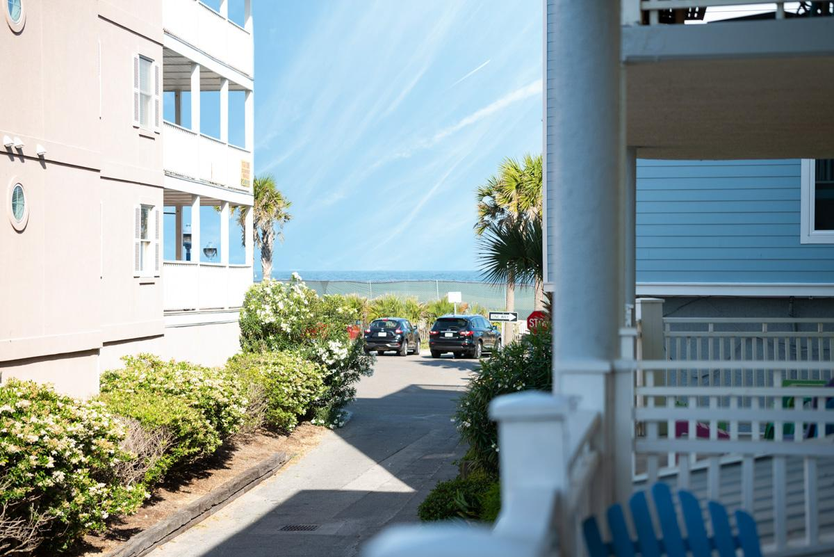 Airy Seaside Condo with Covered Porch and Ocean Views