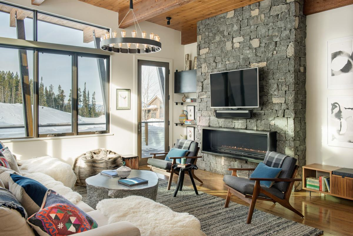 Chic Moonlight Basin Townhouse with Beginner Ski Access