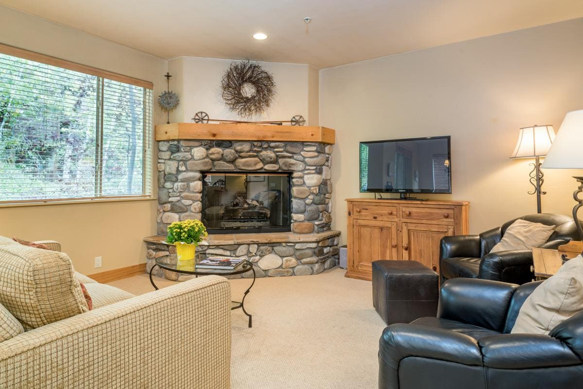 Cheerful Corner Condo on Trail Creek with Shared Hot Tub