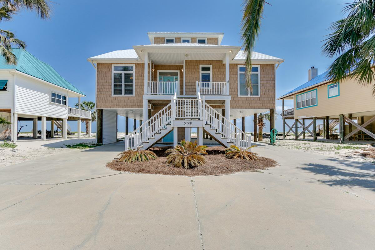 Gulf-Front Home with Multiple Decks and Beach Access