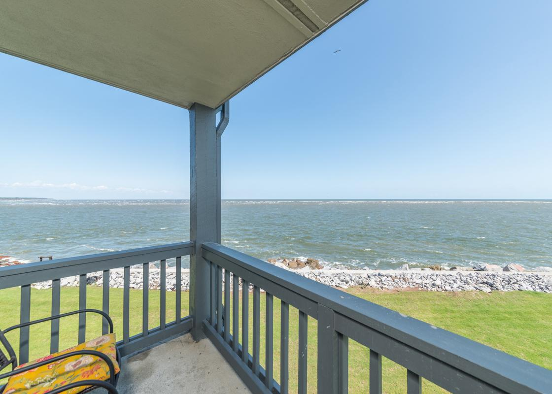 Bright Corner Condo with Ocean Views and Pool Access
