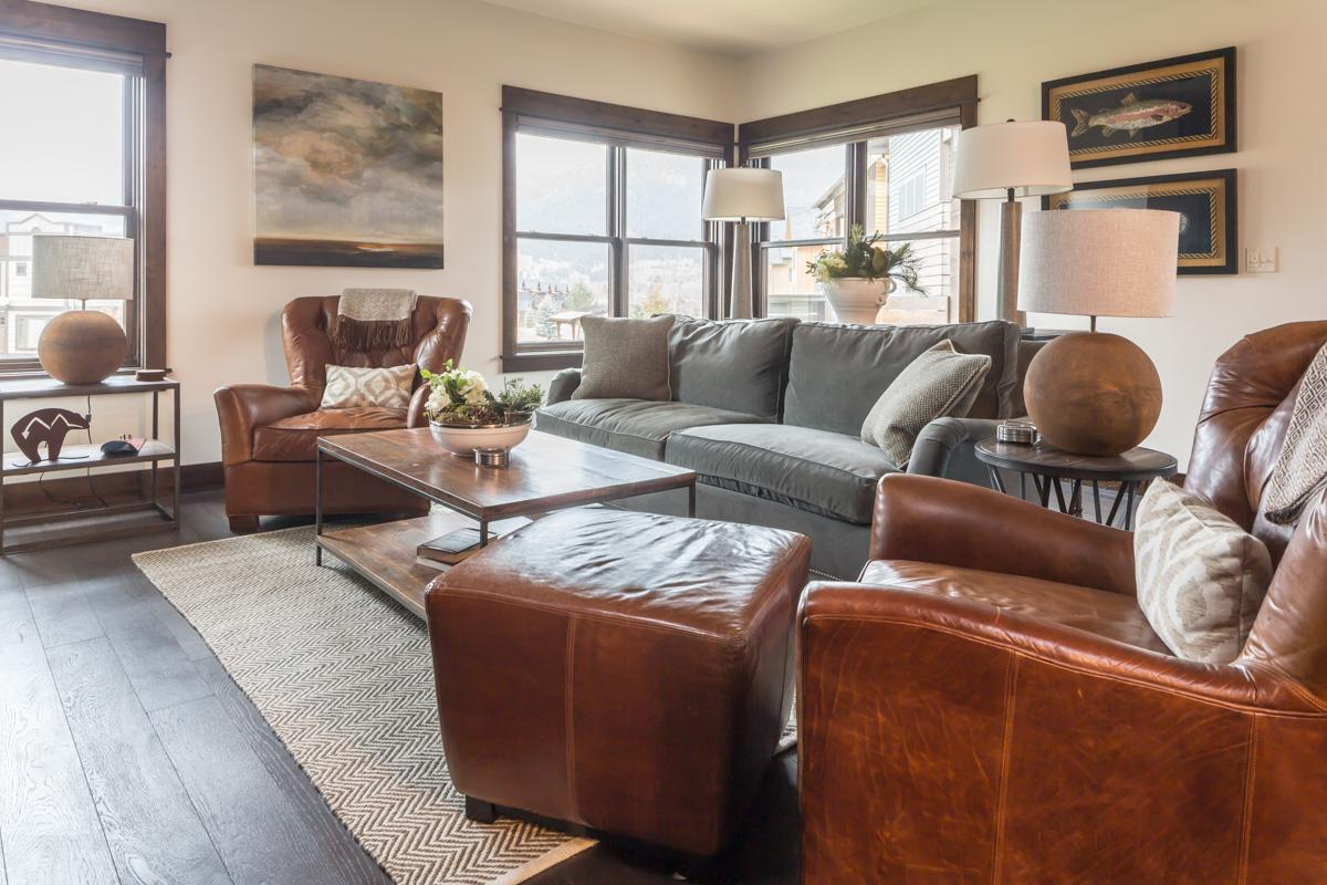 Newly Built Town Center Condo on Ski Shuttle Route