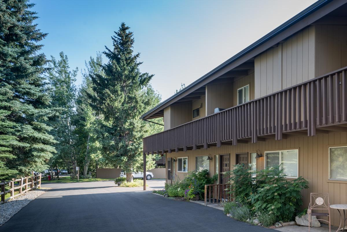 Updated Condo Near Downtown Ketchum with Seasonal Pool