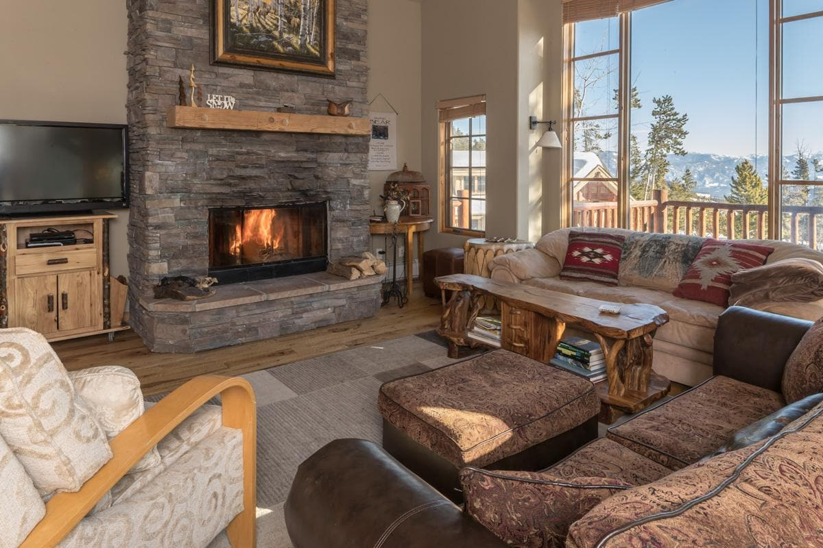 Slopeside Moonlight Basin Home with Private Lodge Feel