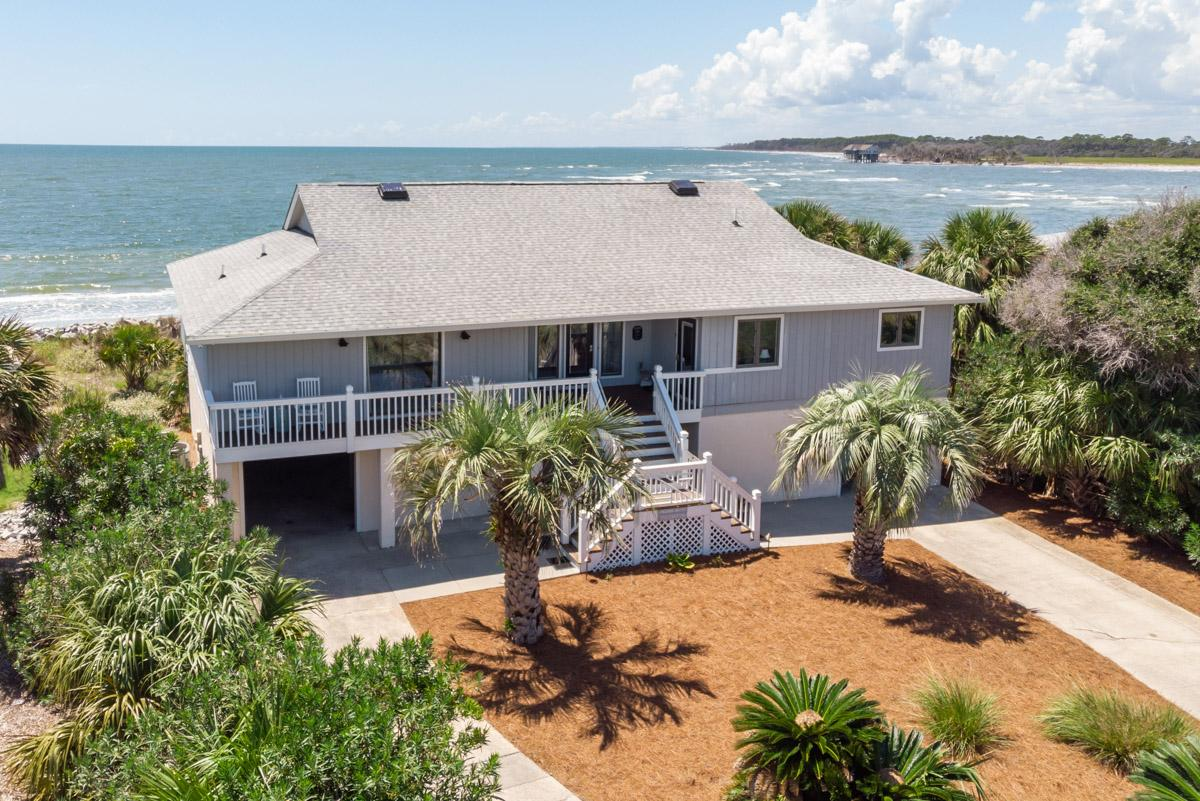 Beachfront Home with Screened-in Porch and Beach Views