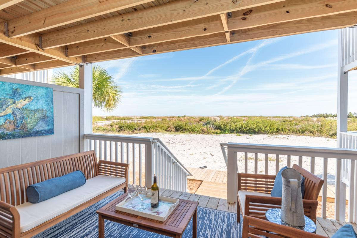 Charming Oceanfront Condo with Harbor Island Amenities