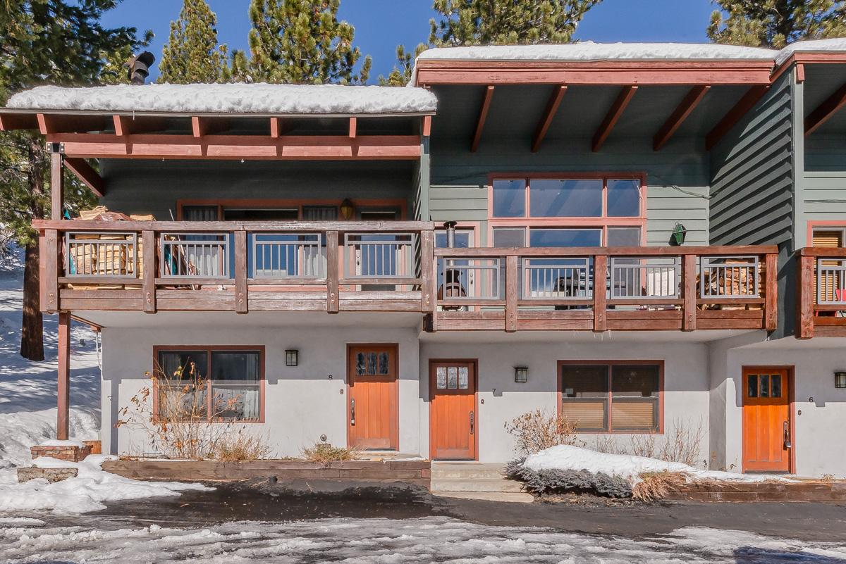 Renovated Townhome With Mountain Views Near Village