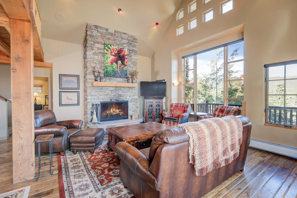 Ski-in, ski-out Moonlight Basin chalet with private hot tub and stunning views