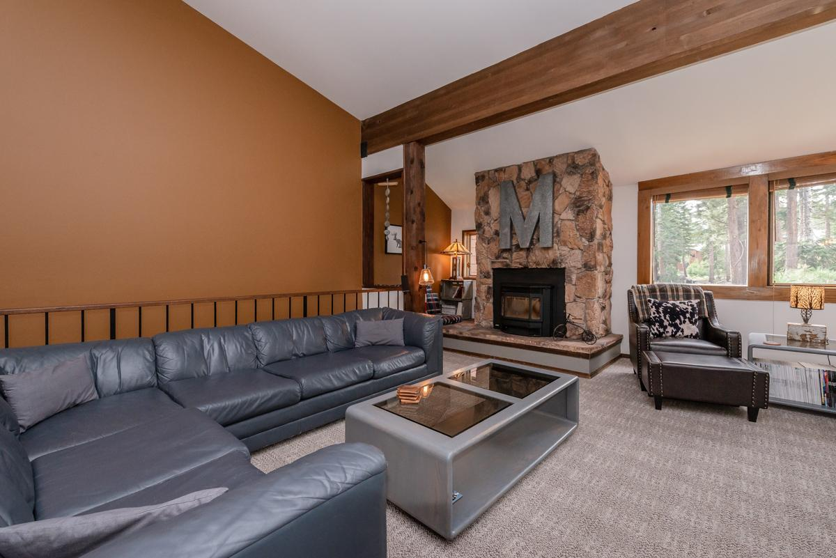 Newly remodeled Mammoth Lakes condo steps away from The Village & Village Gondola