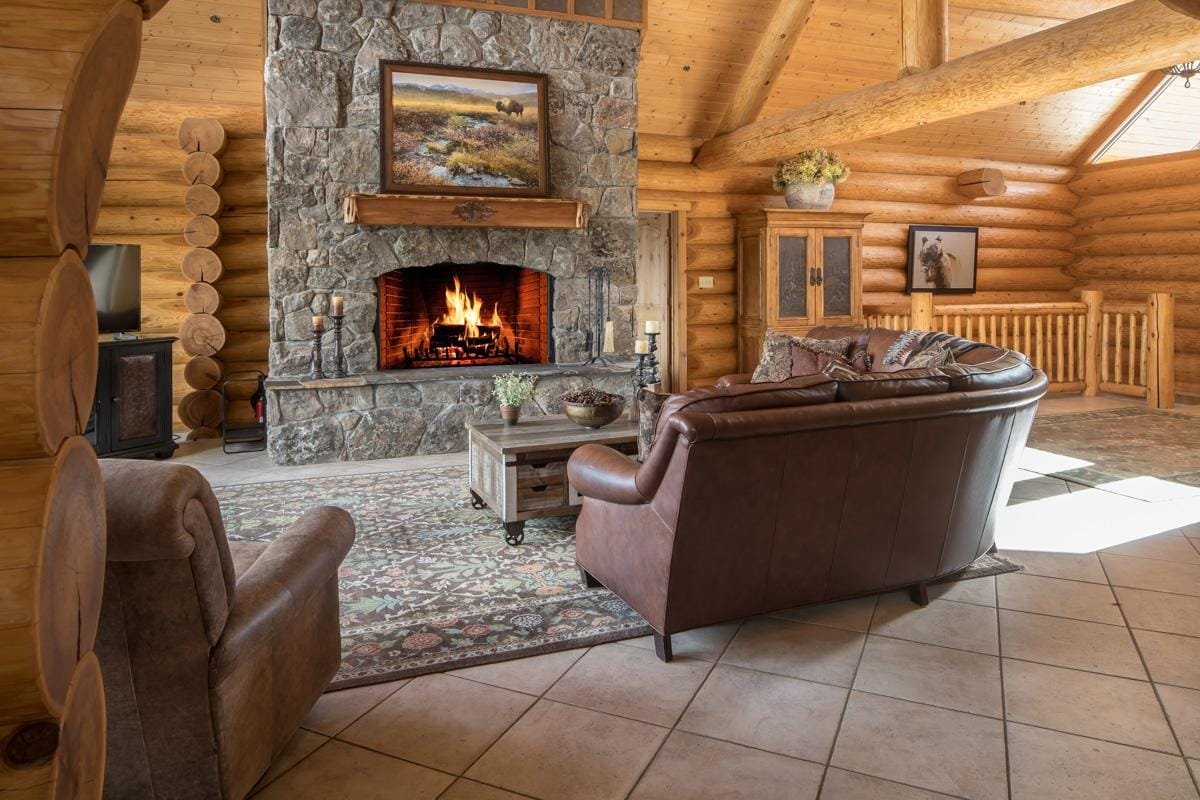 Private Lodge with Sledding Hill and Mountain Views