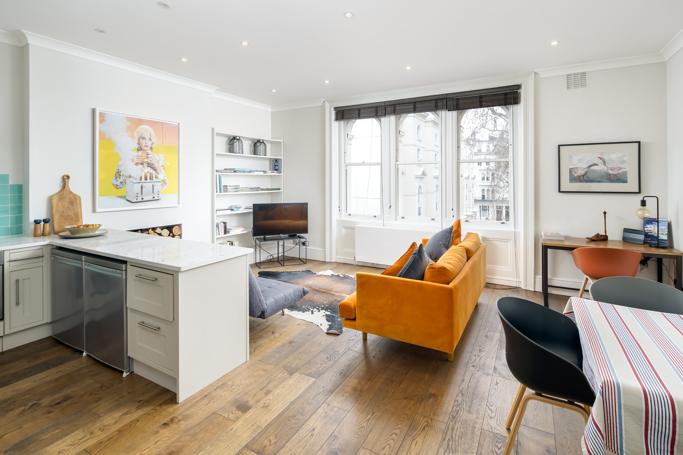 Property Image 1 - Light and Airy 1-bed in Leafy Square Near Paddington