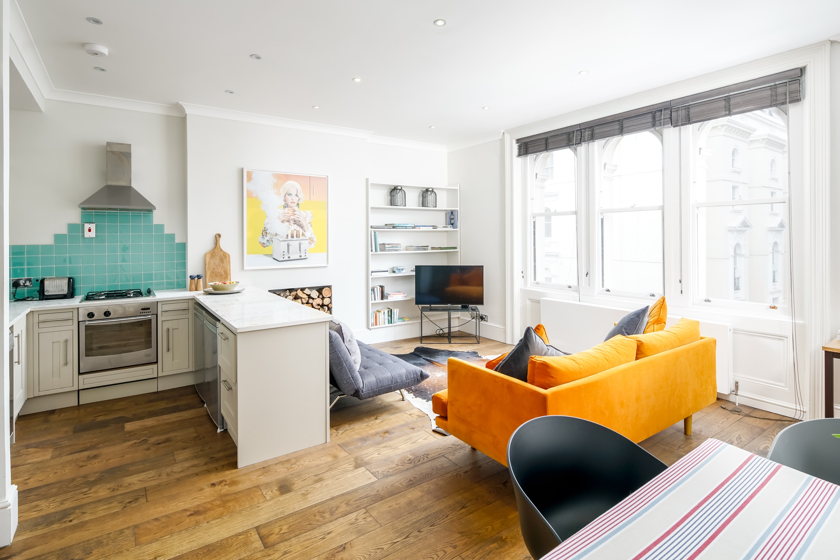 Property Image 0 - Light and Airy 1-bed in Leafy Square Near Paddington