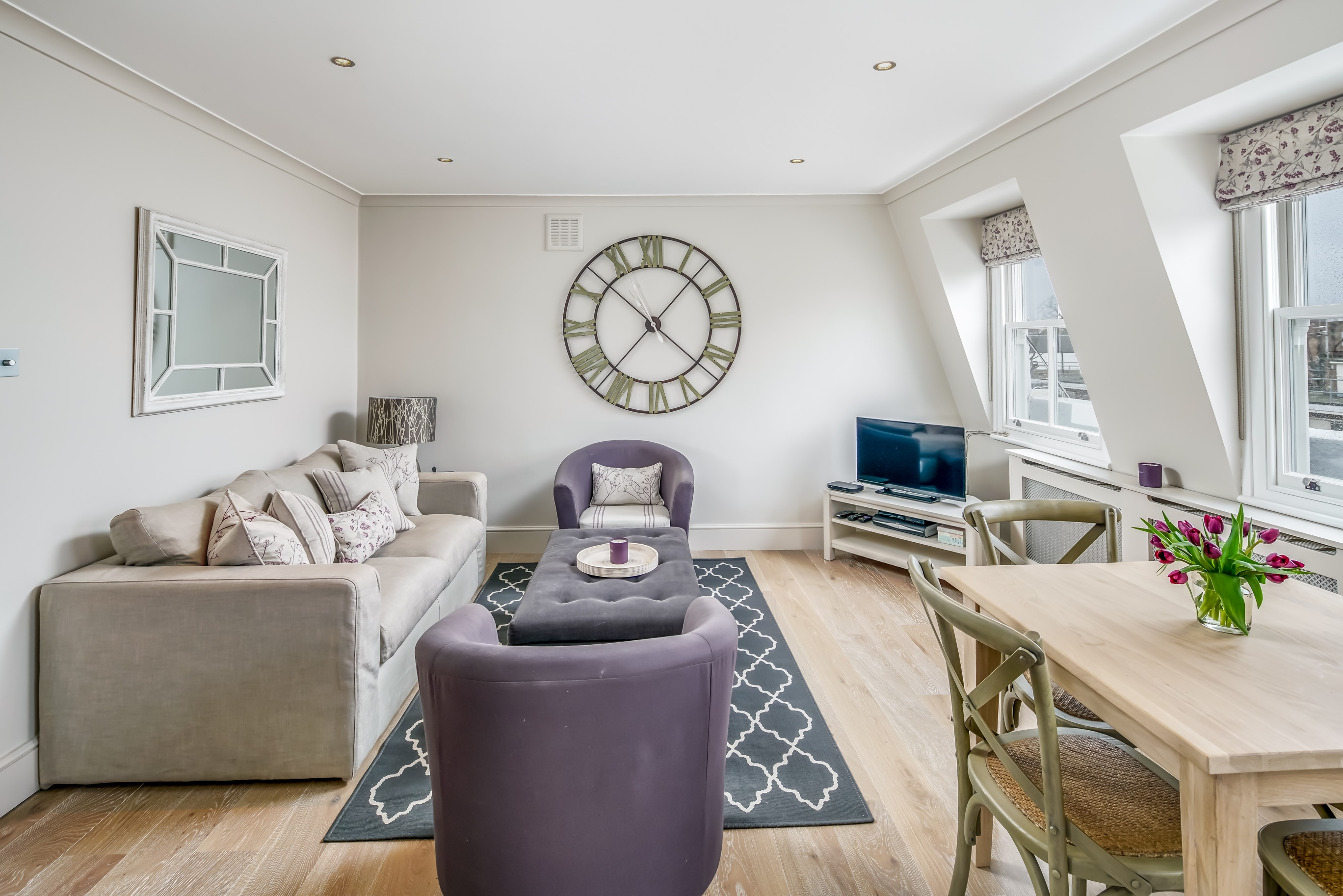 Property Image 1 - Light and modern 2 bedroom flat in Notting Hill