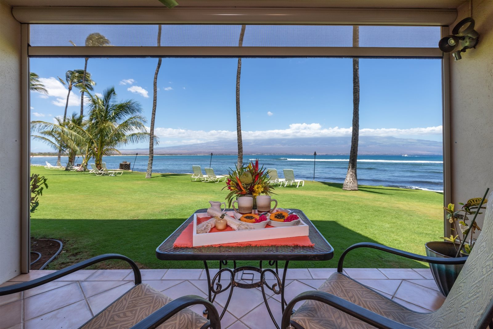 Immaculate Ocean Front Maui Abode Just Steps to the Ocean
