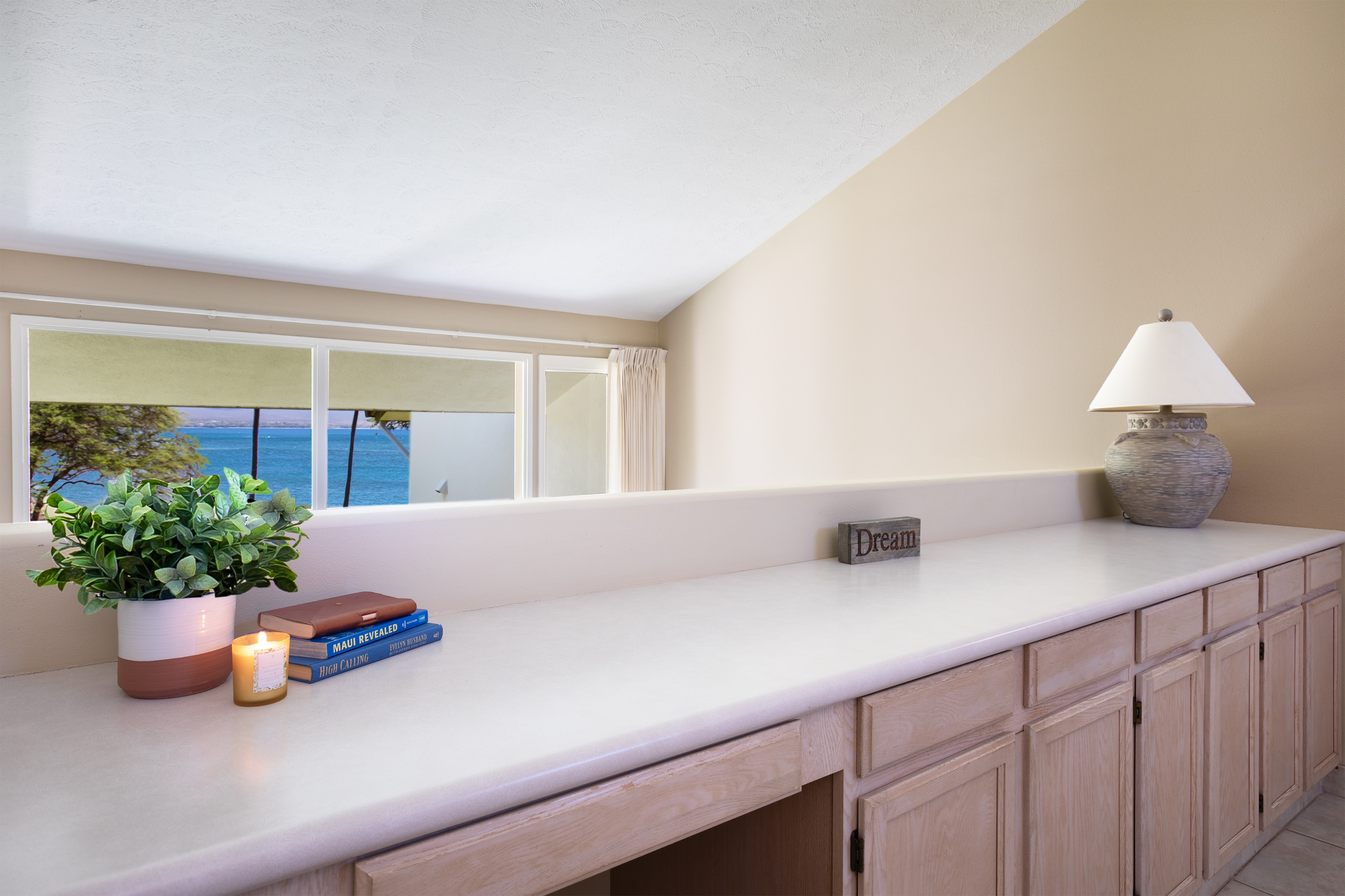 Property Image 2 - Remarkable Maui Getaway with Modern Beach Inspired Decor *Makani A Kai B9
