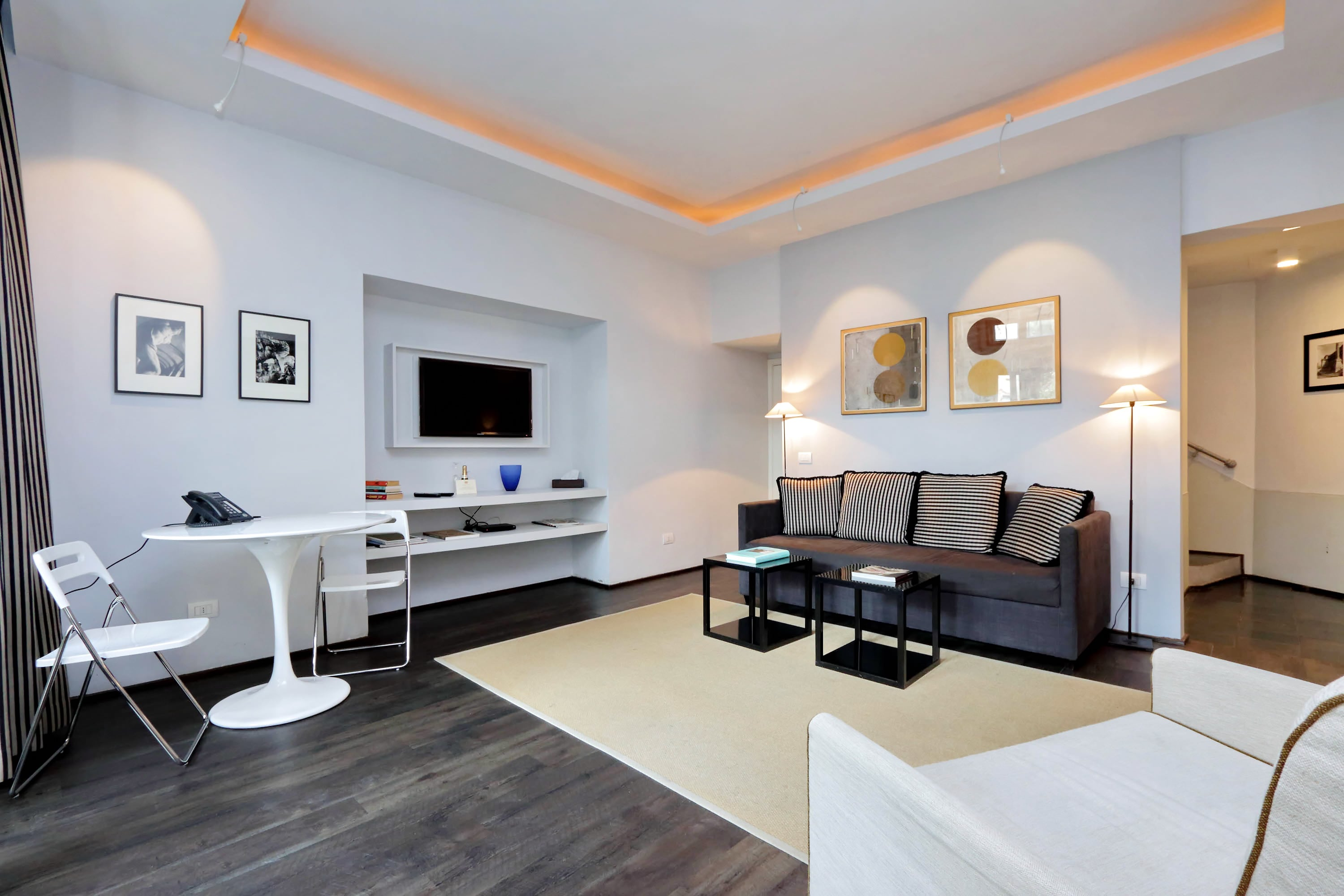 Modern One Bedroom Minutes Away From the Vatican City