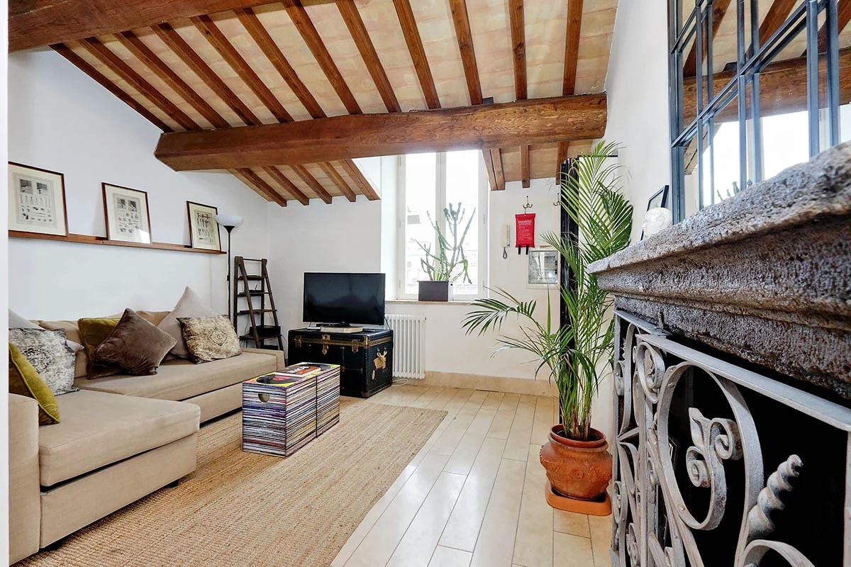 Cute Top Floor Apartment near the Roman Pantheon