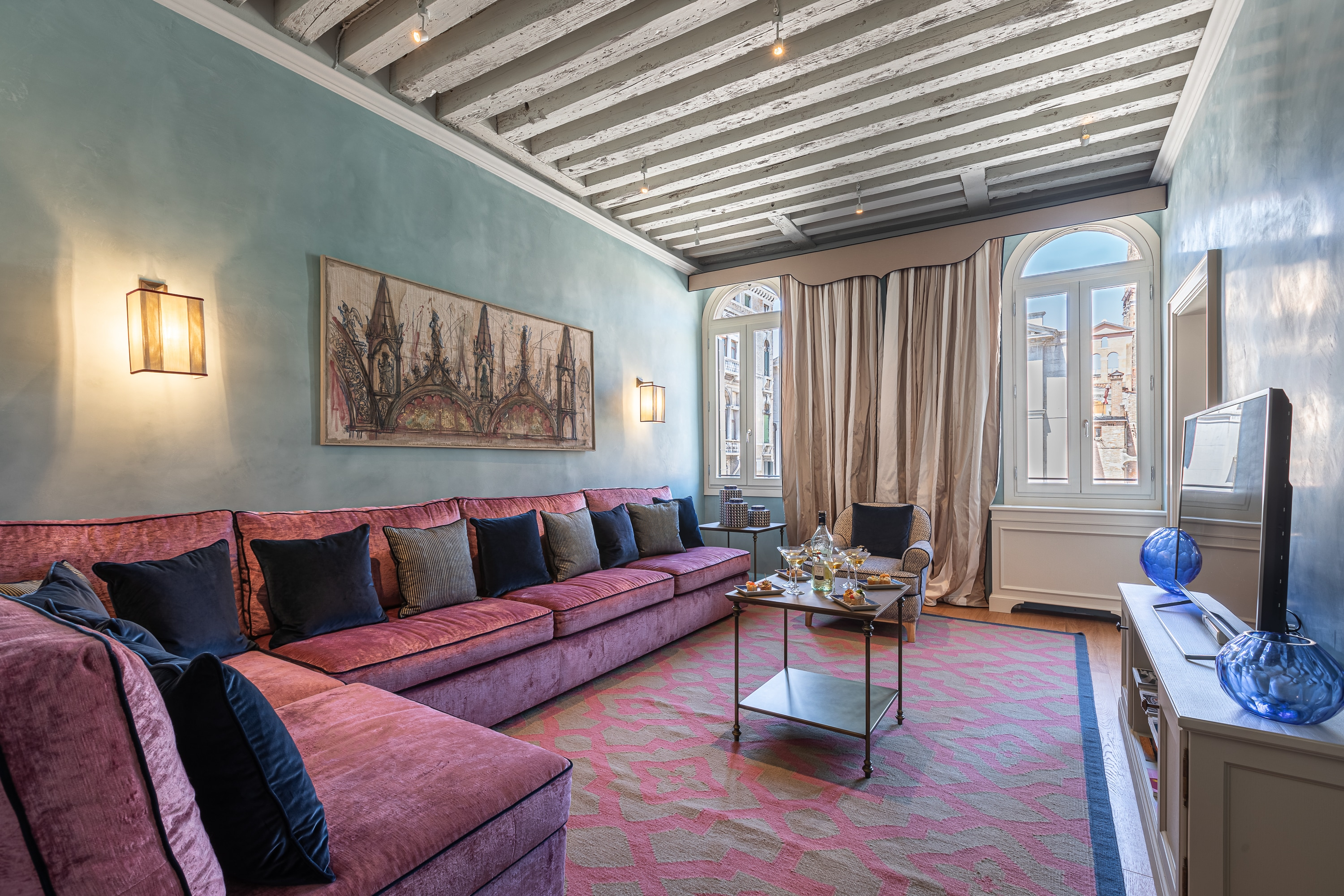 Property Image 1 - Restored impressive apartment close to Saint Mark's Square