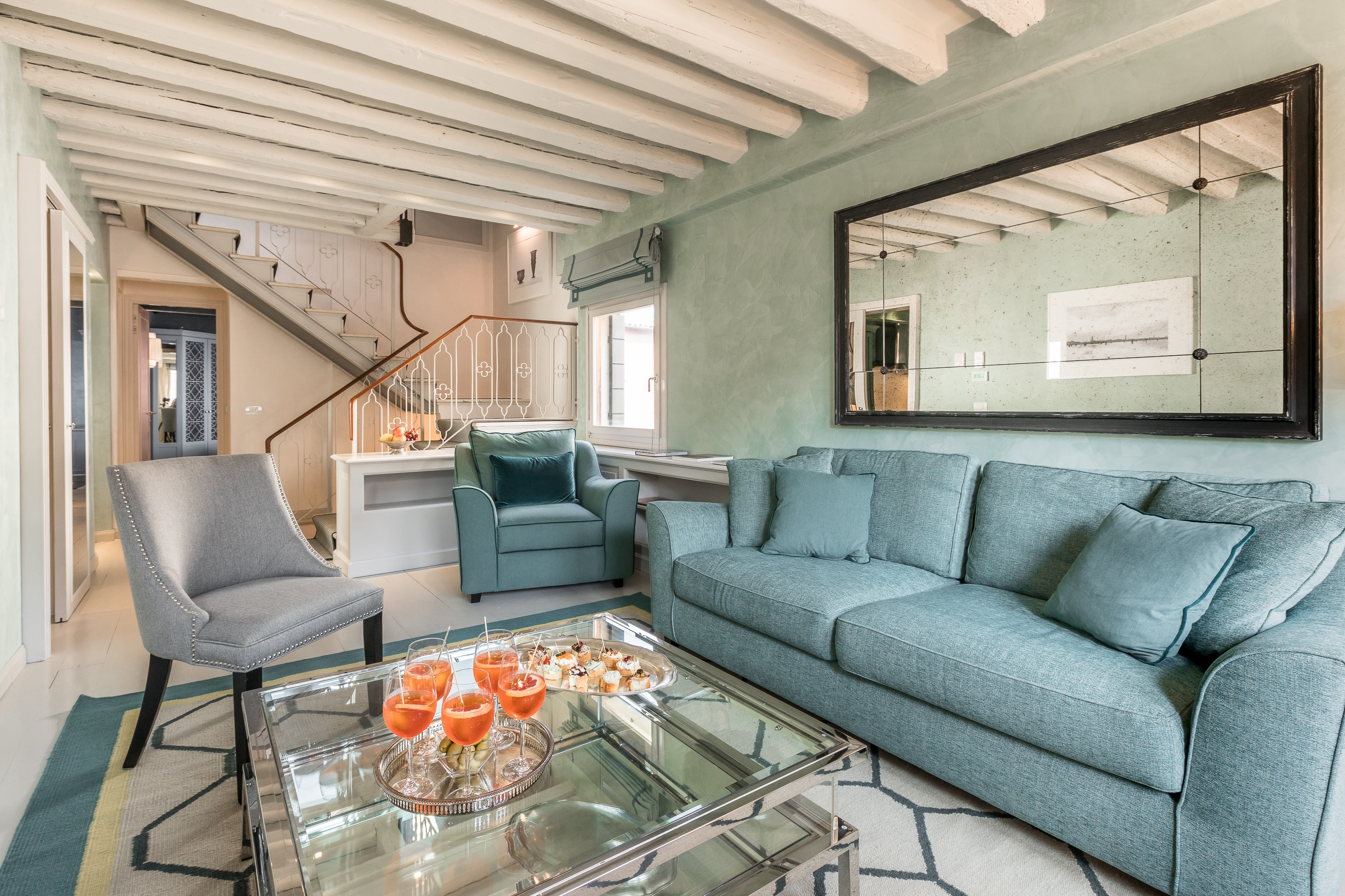 Property Image 1 - Chic Apt Perfectly Placed for Lovers of the Real Venice
