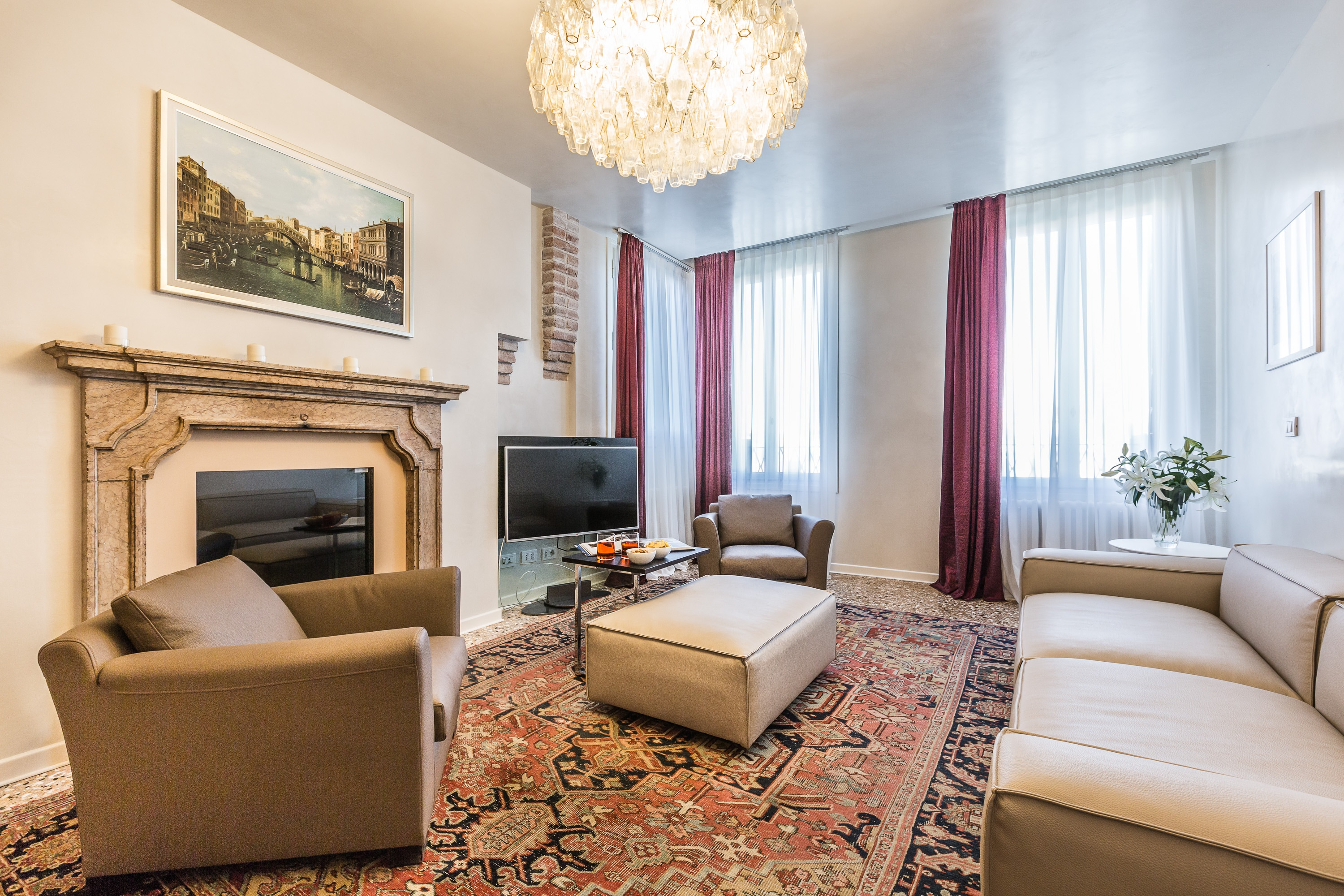 Property Image 2 - Splendid New Apartment with Fantastic Grand Canal Views
