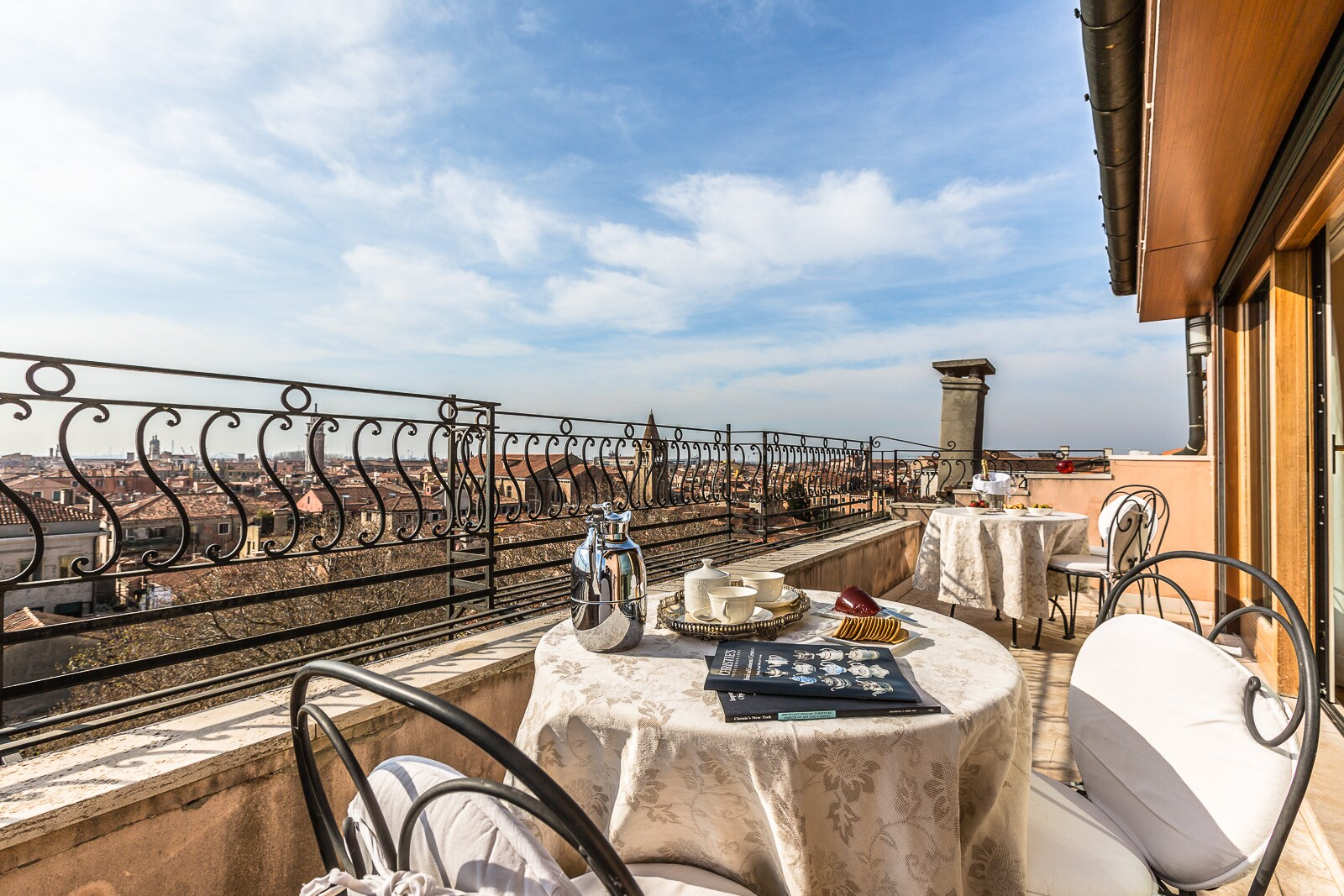 Property Image 1 - Terrific Penthouse in a Gothic Palazzo on the Grand Canal