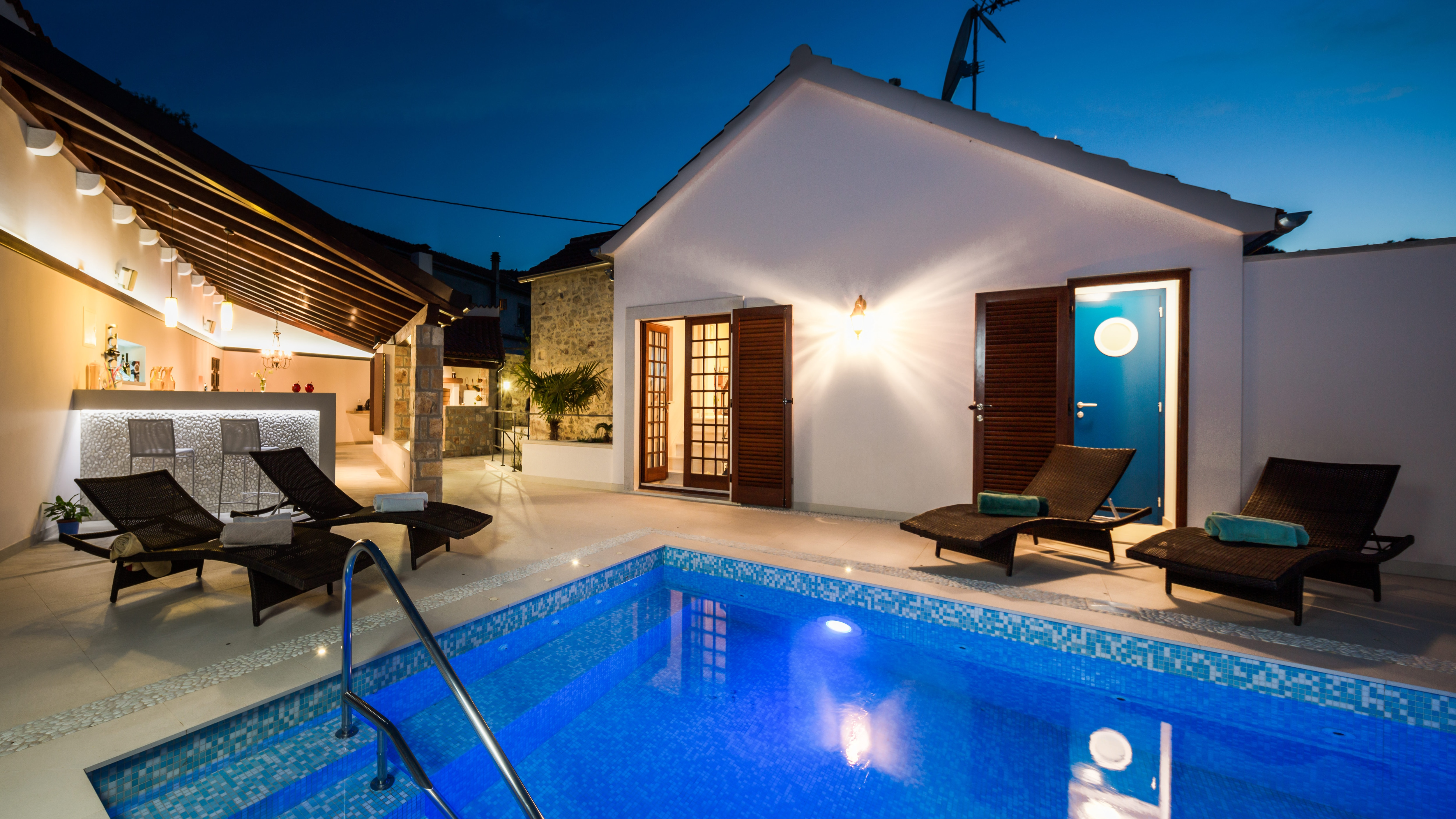 Property Image 2 - Tranquil Dalmatian Outdoor Living Villa with Heated Pool & Turkish Steam Bath Room