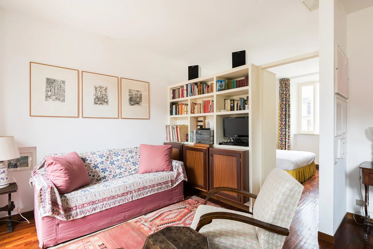 Cozy Roman Apartment with Terrace near the Pantheon