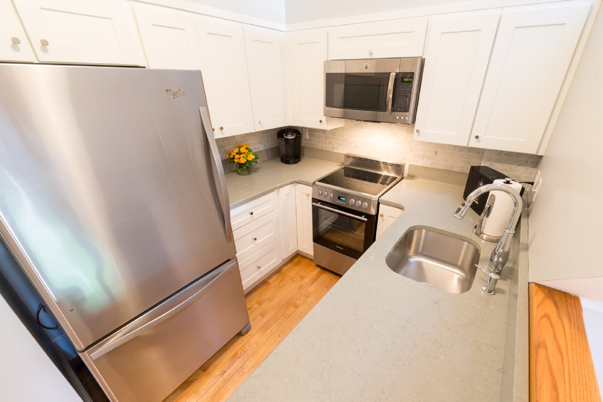 Comfortable Loft with a Full Kitchen in Downtown District