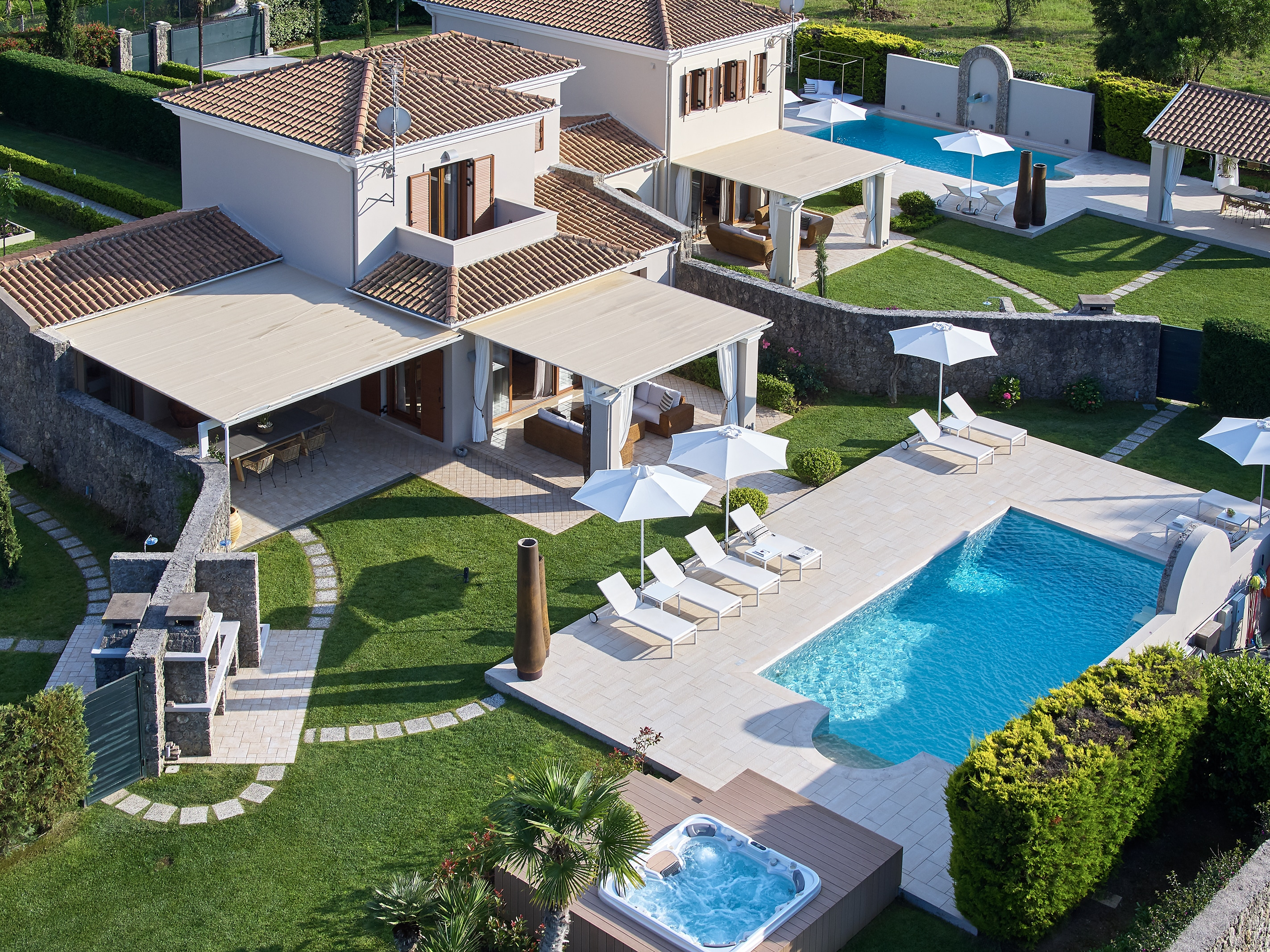 Elegant Luxury Villa with Private Pool