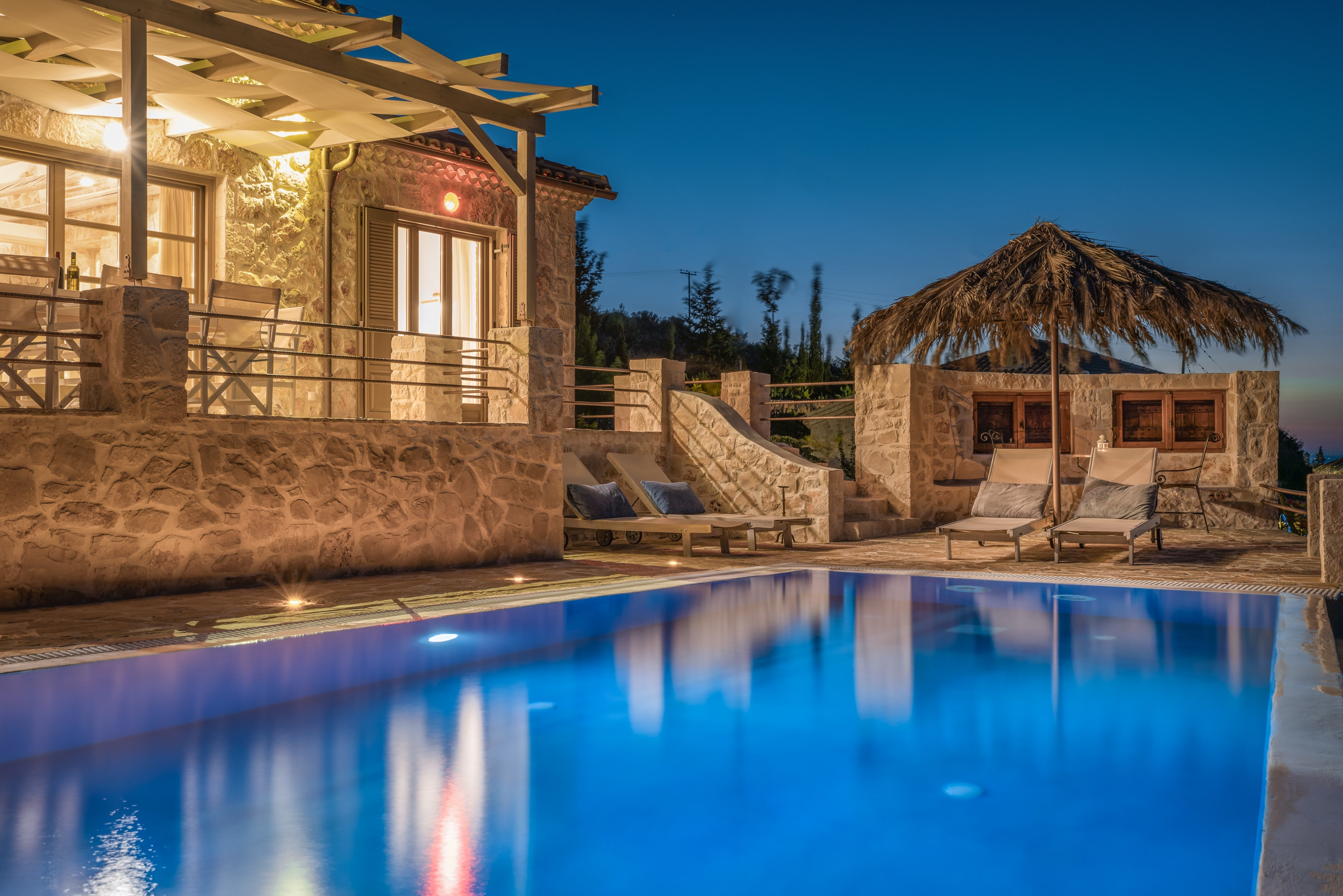 Property Image 1 - Stunning Cliff Facing Luxury Villa with Private Pool