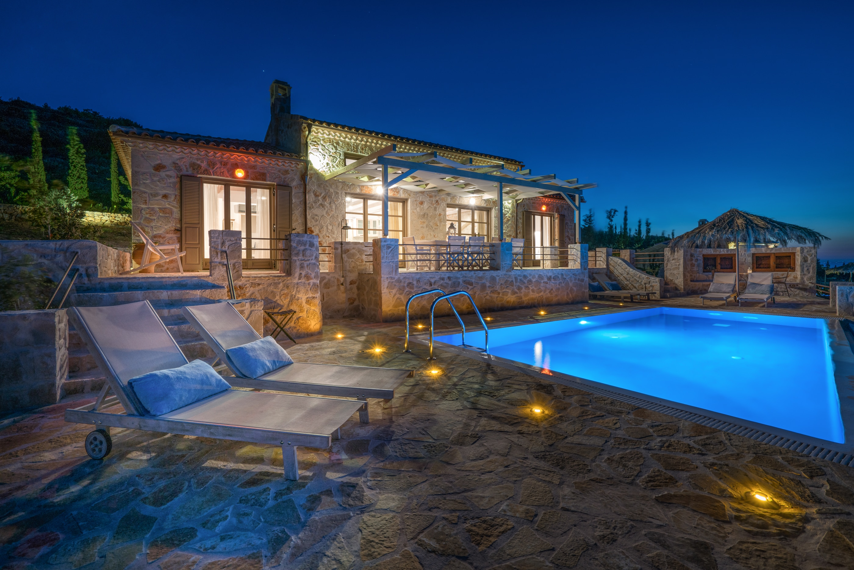 Property Image 2 - Stunning Cliff Facing Luxury Villa with Private Pool