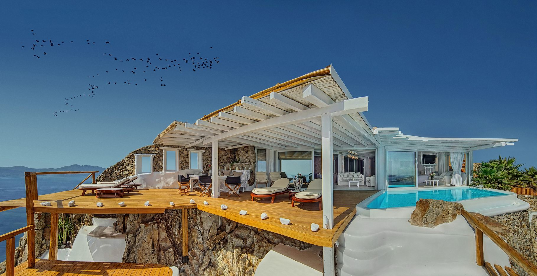 Property Image 1 - Elegant Villa with Infinity Pool and Panoramic View