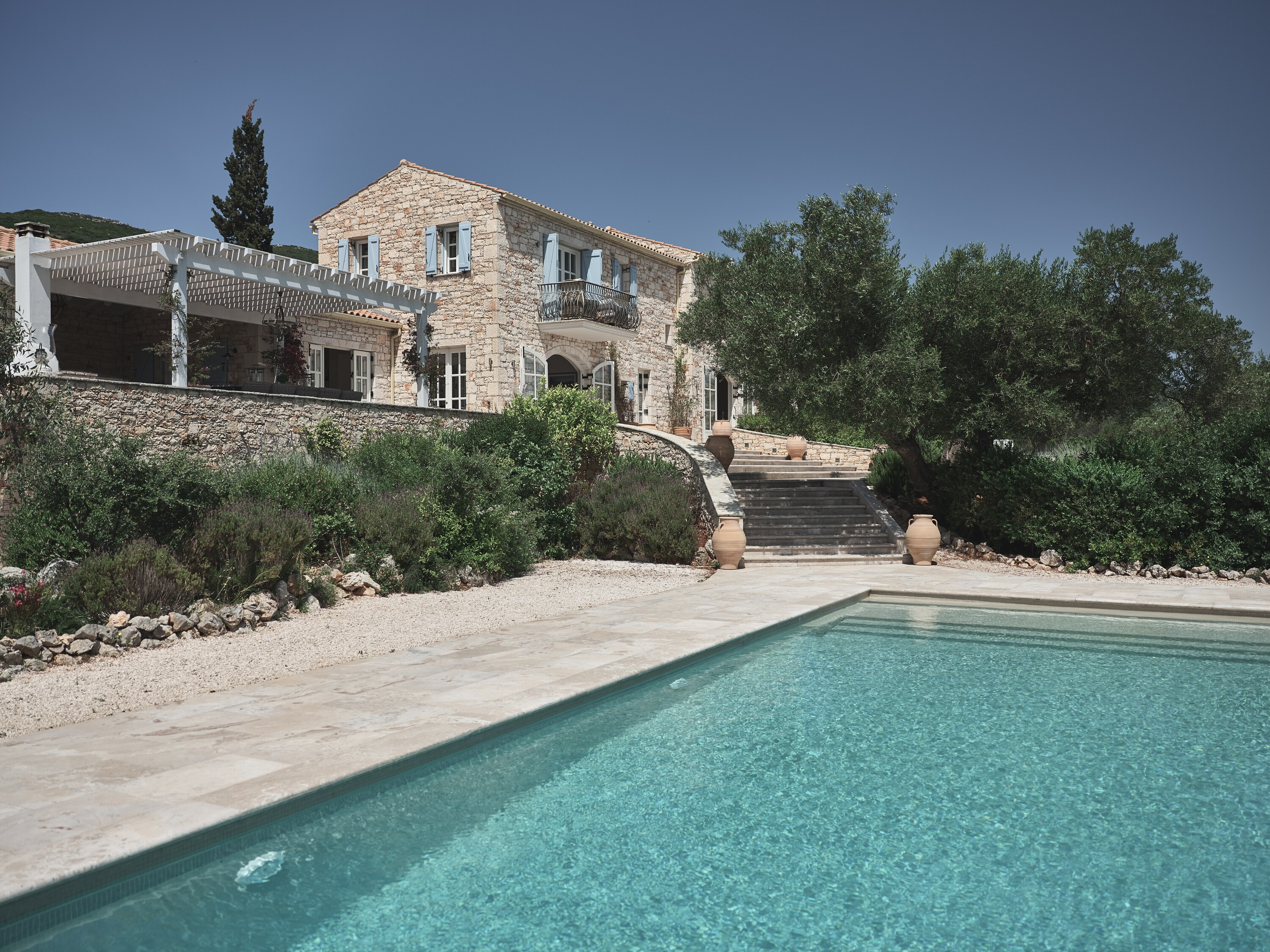 Charming, Tranquil private villa with pool