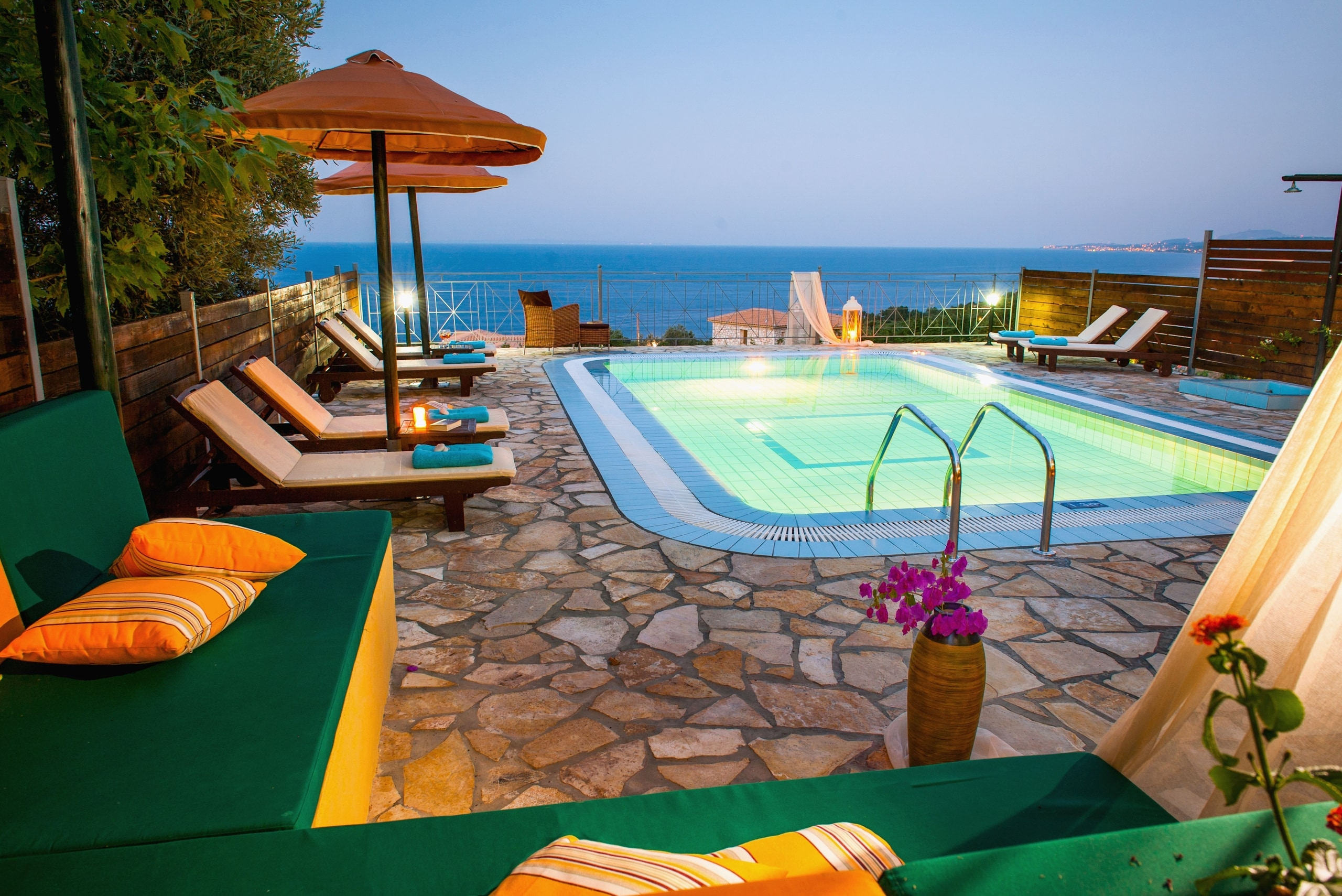 Property Image 2 - Lovely villa with private pool