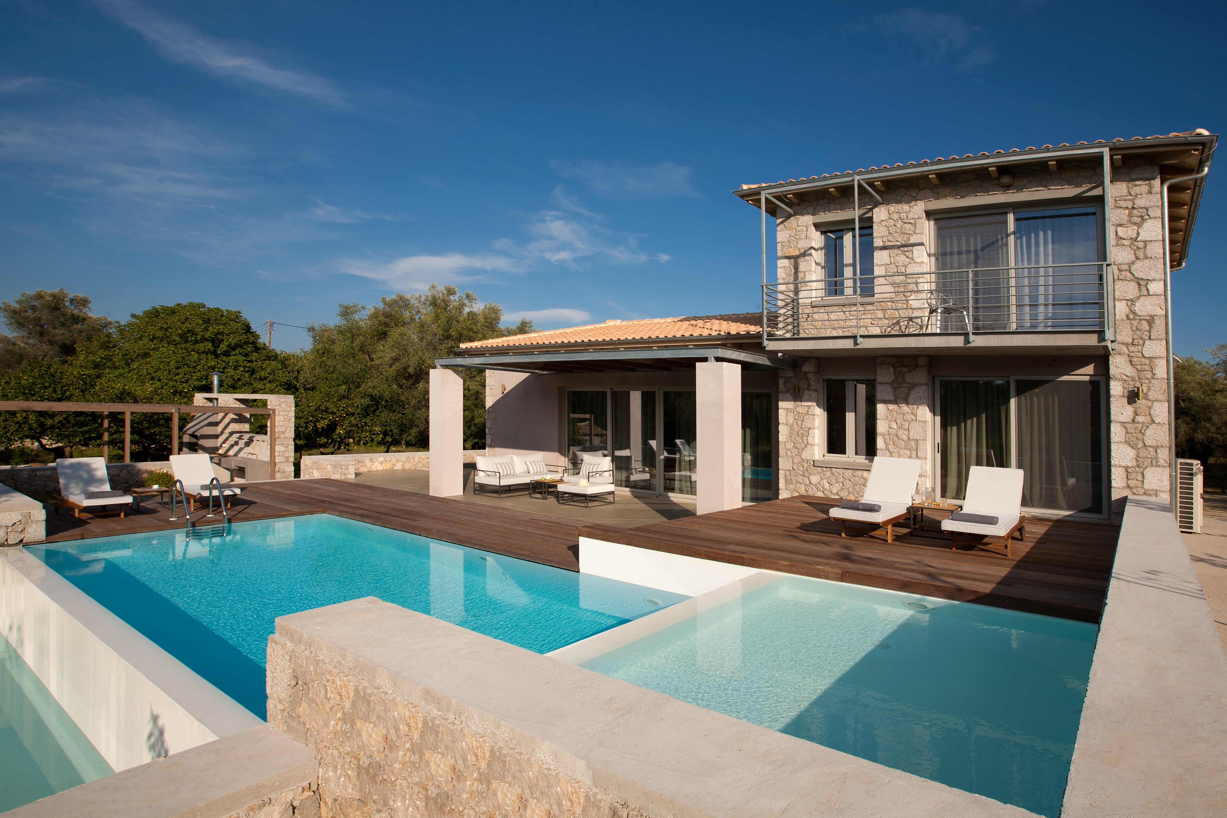 Property Image 1 - Elegant villa close to the beach with private pool