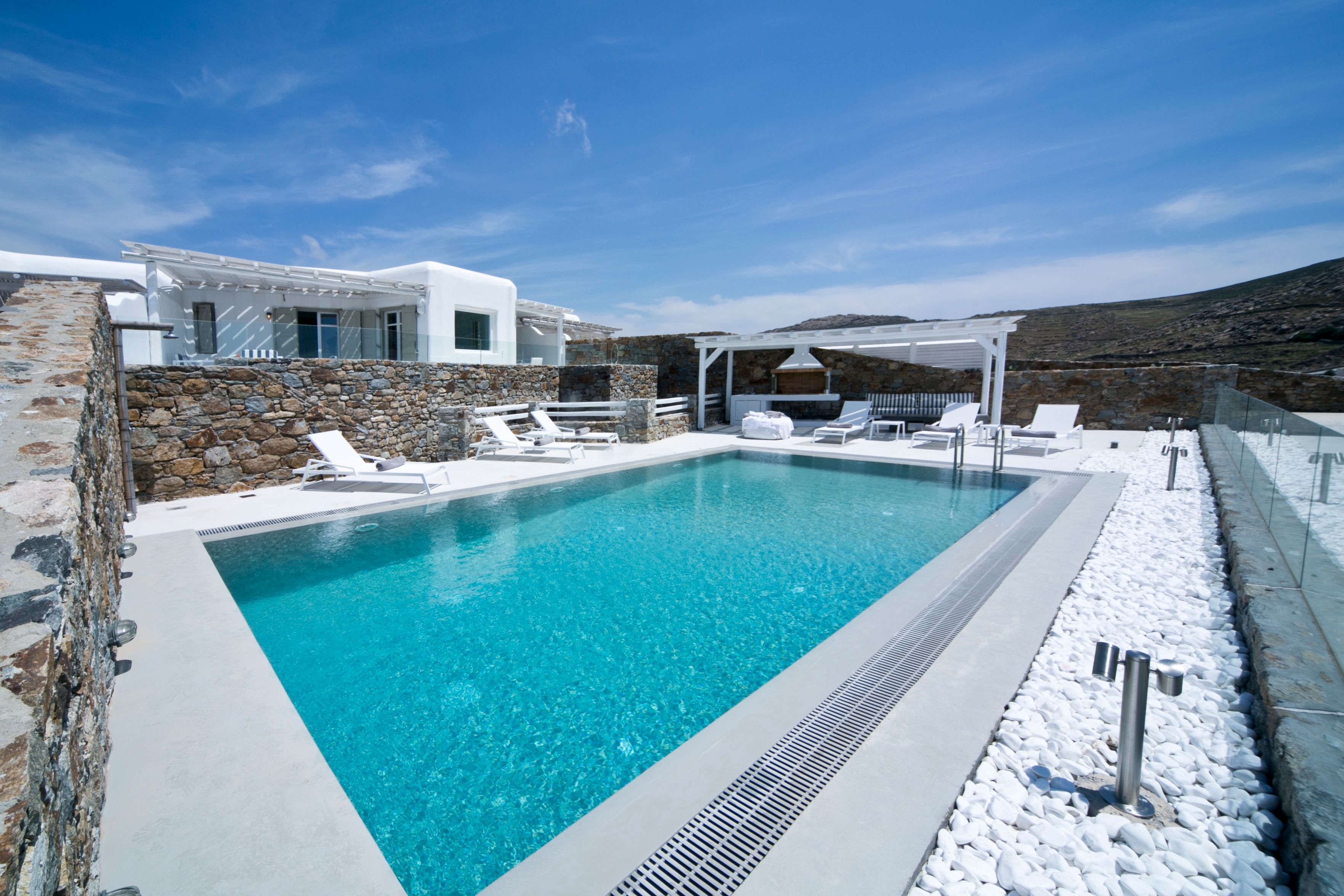 Property Image 1 - Hilltop luxury villa with private pool
