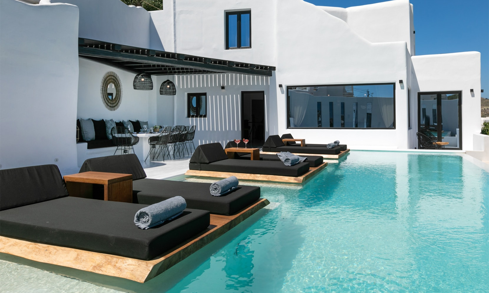 Property Image 2 - Stylish modern villa with private pool and jacuzzi