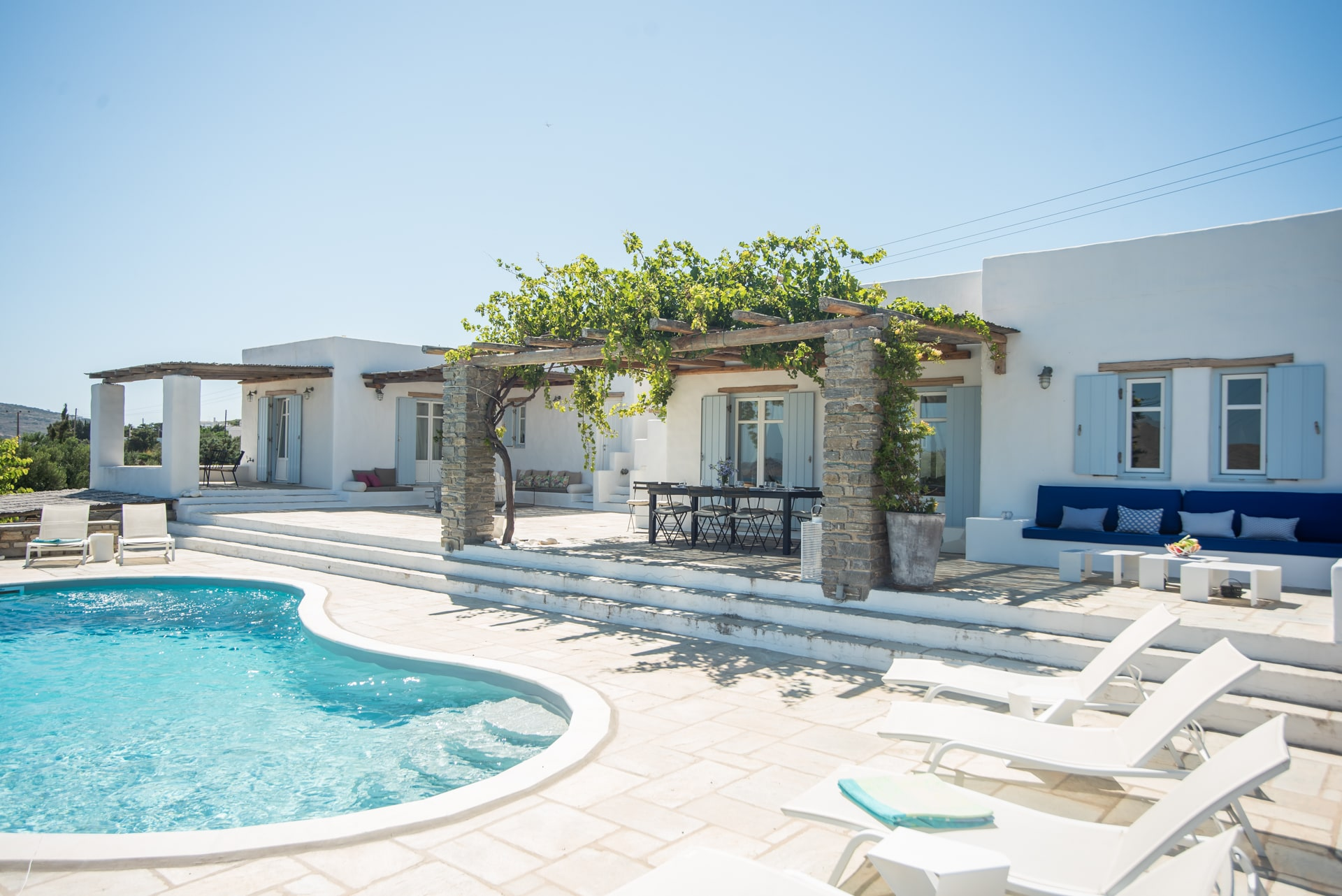 Property Image 1 - Luxury 5 bedroom villa with private pool near Naoussa