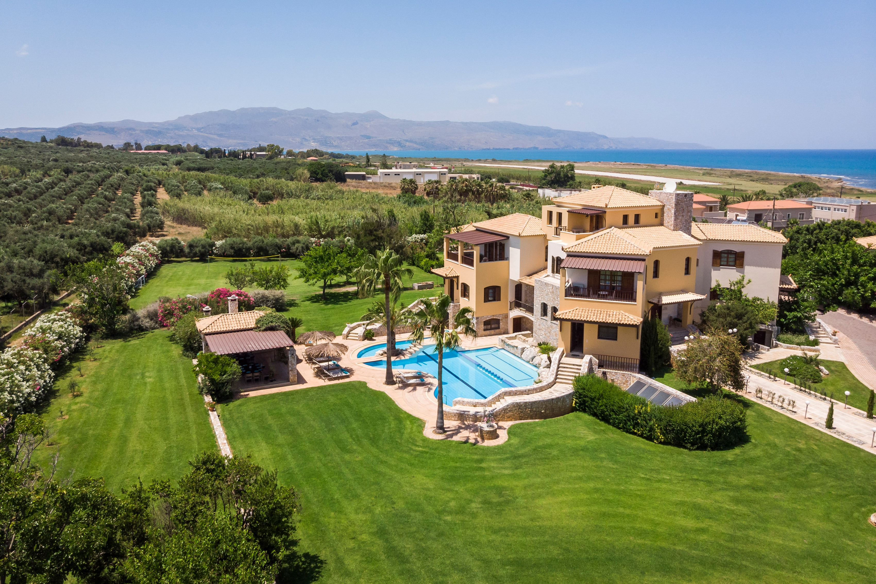 Property Image 1 - Elegant villa with large terraces and private pool