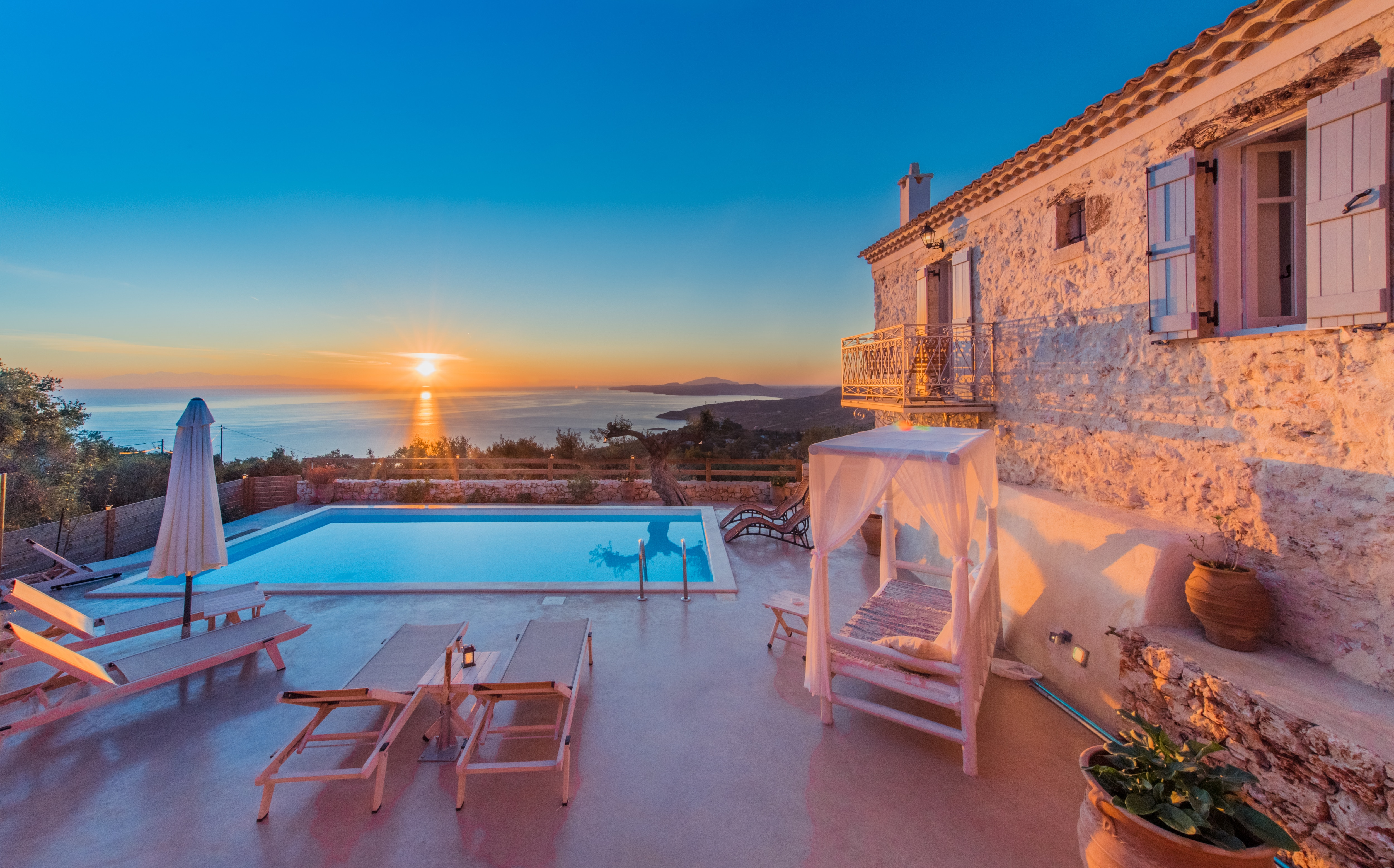 Property Image 1 - Traditional villa built in an idyllic landscape with private pool