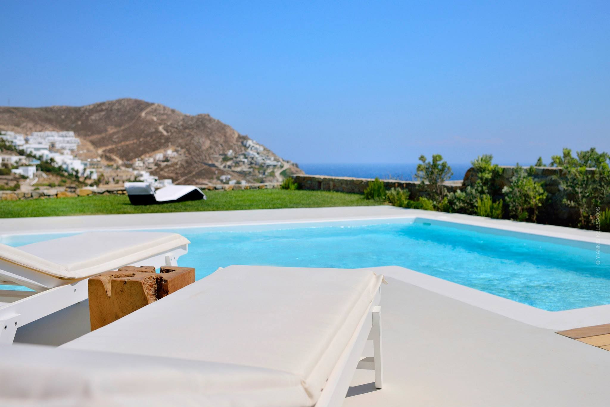 Property Image 1 - Modern Villa with private pool close to Elia beach