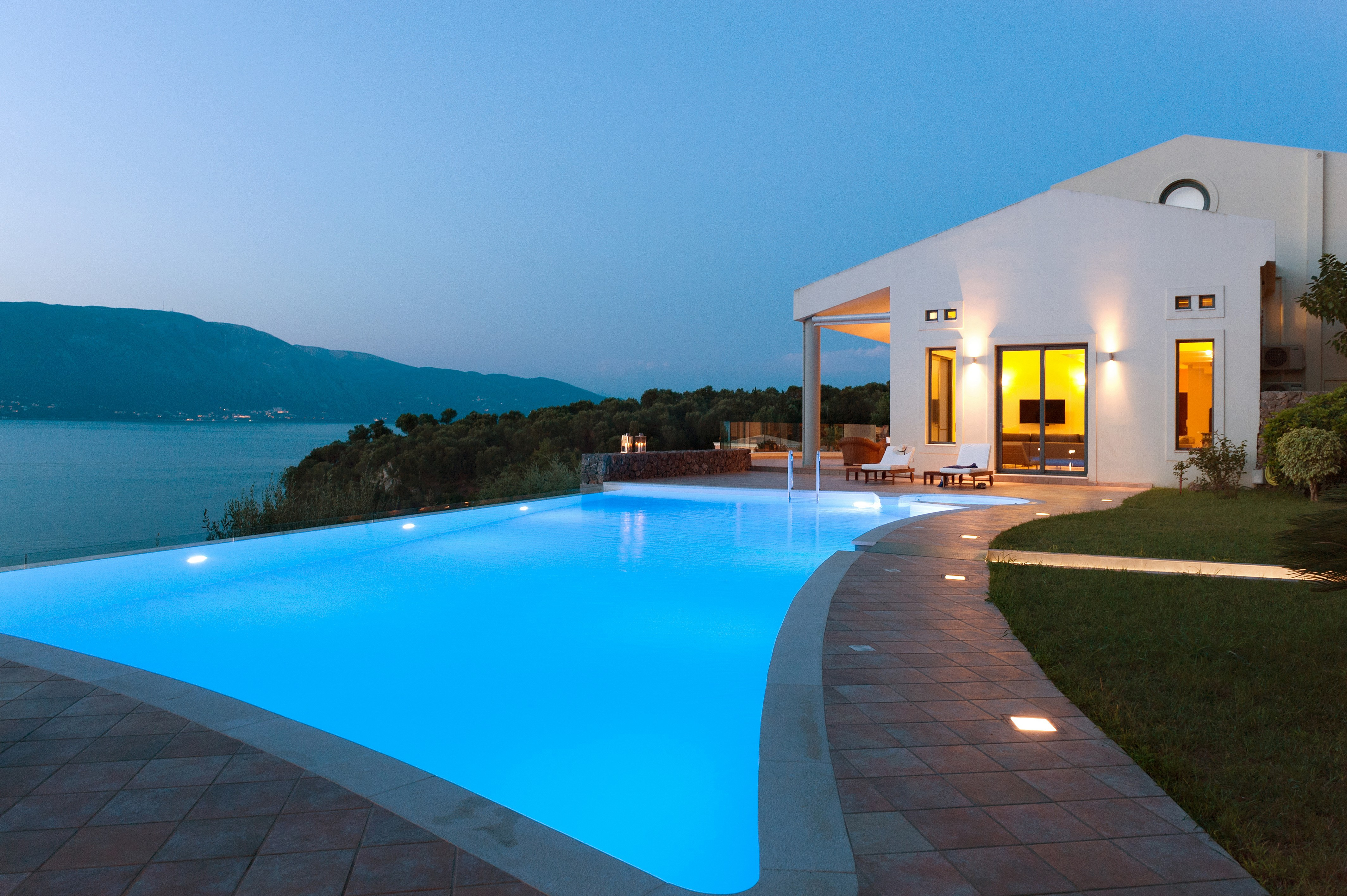 Seafront 5 bedroom luxury villa with private pool