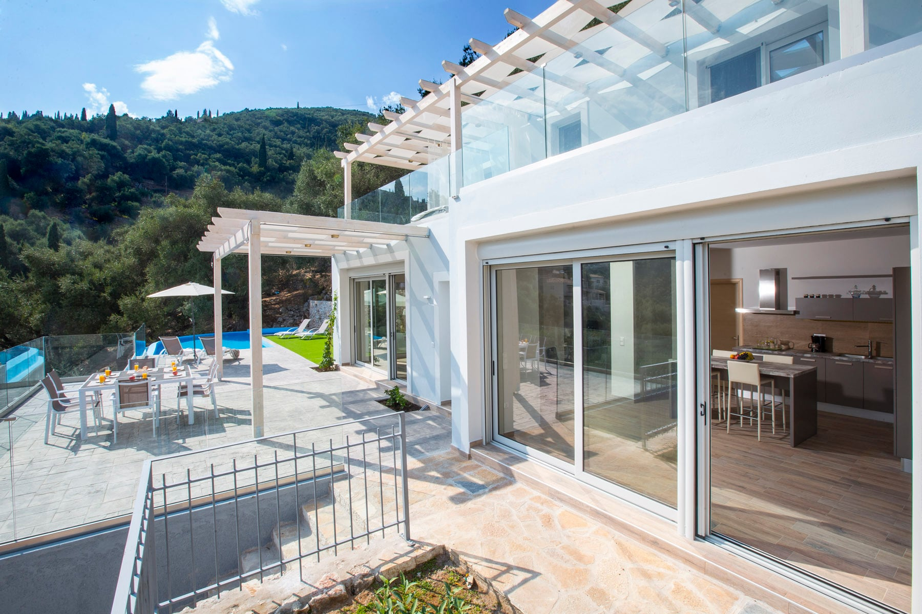 Elegant Hillside two-storey villa with private pool and jacuzzi
