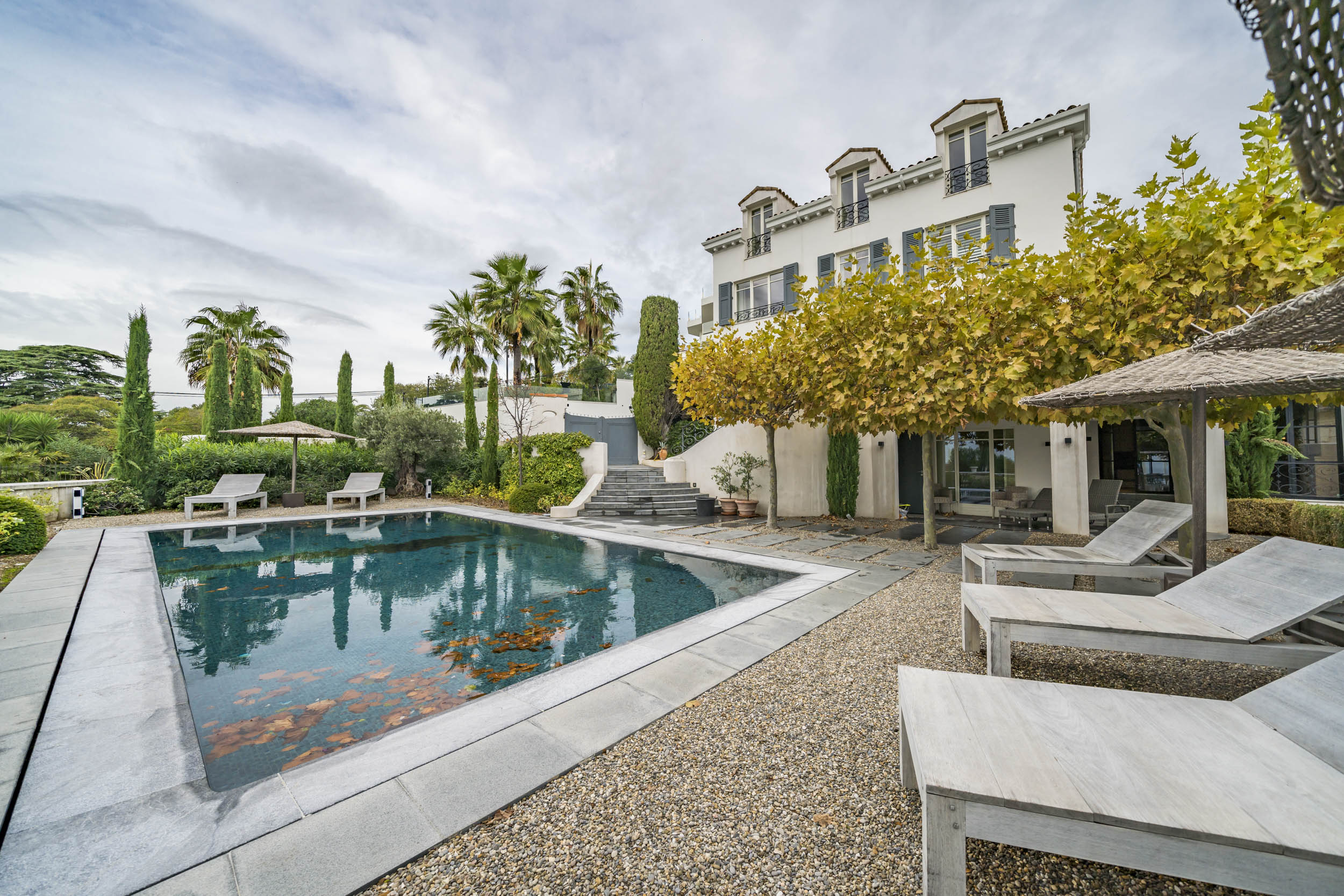 Property Image 1 - Estee Lauders former villa, 6 bedrooms located in the centre of Cannes only a short walk to the beach