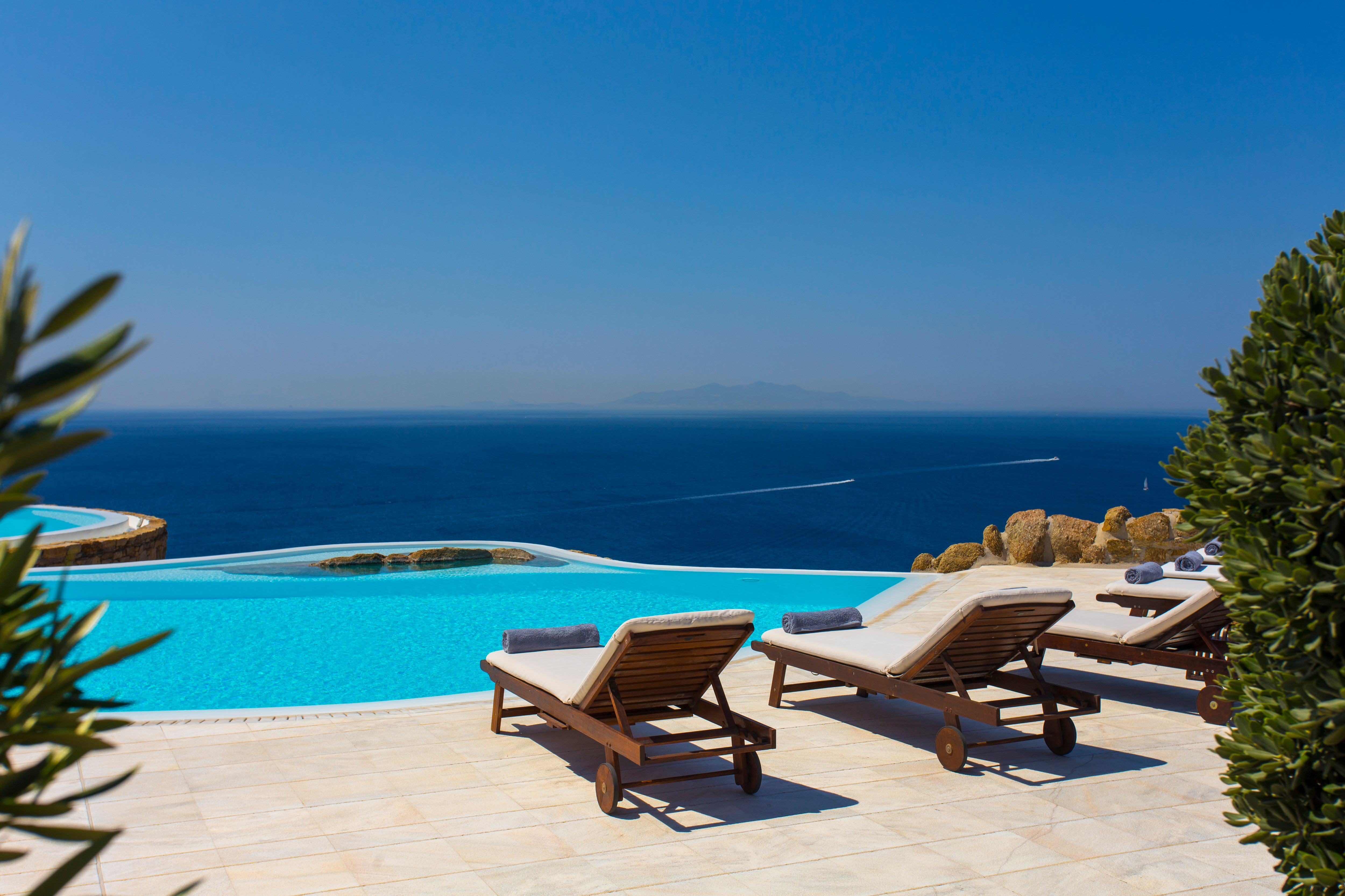 Property Image 2 - Modern Minimal Villa with Infinity Pool and Panoramic view