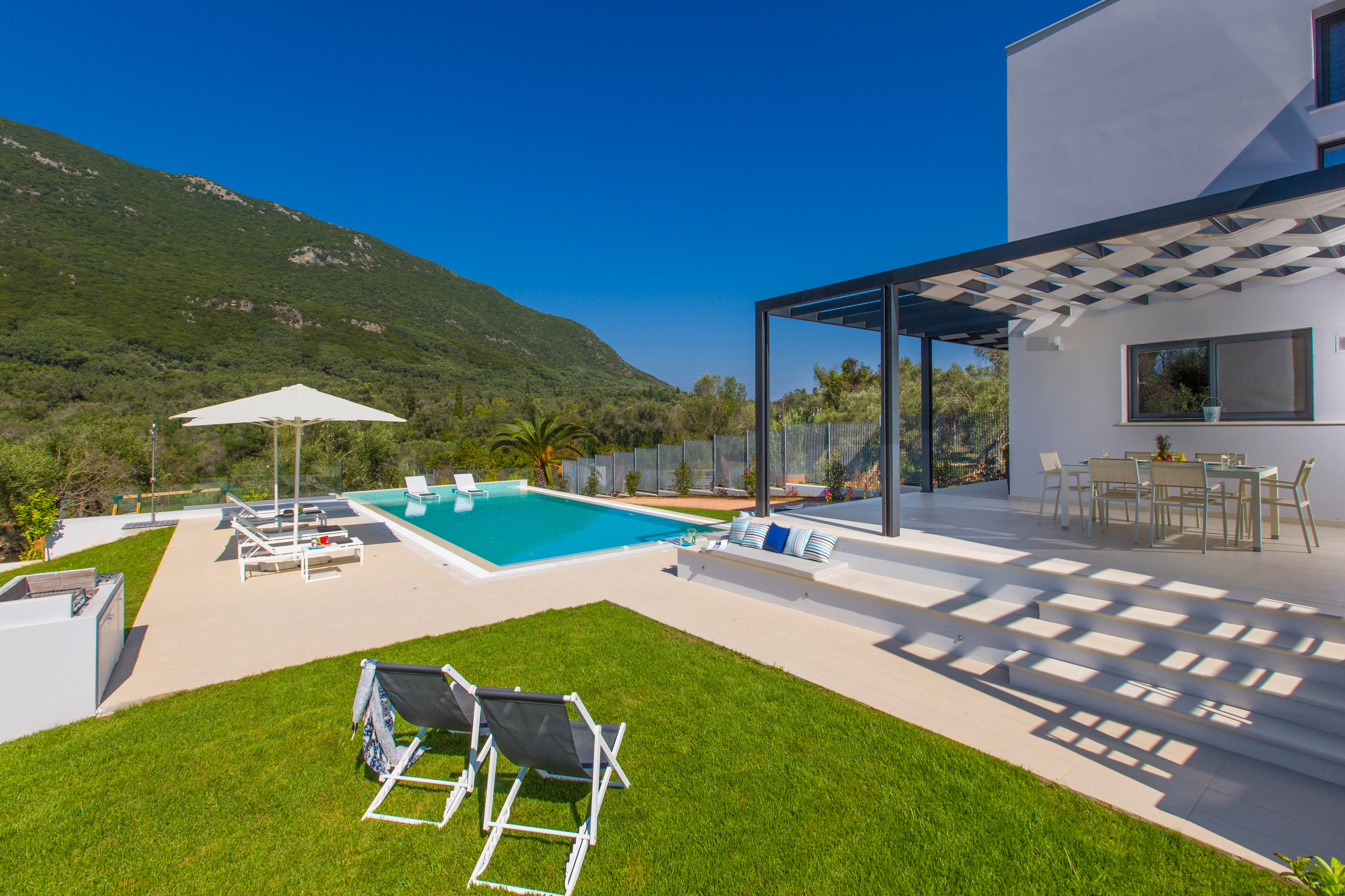 Modern 2 bedroom villa with private pool