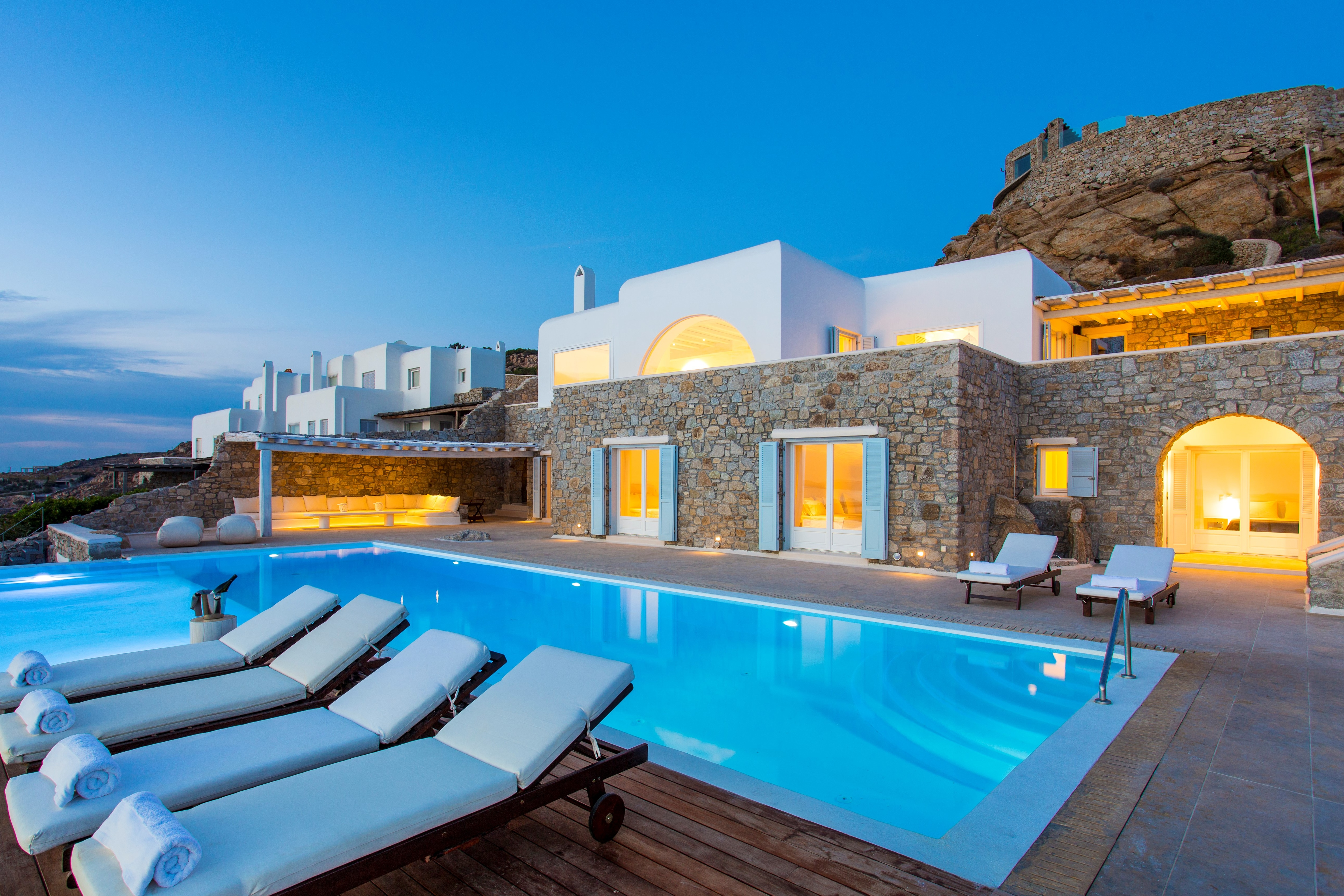 Luxury Villa with Private Infinity Pool close to Nammos