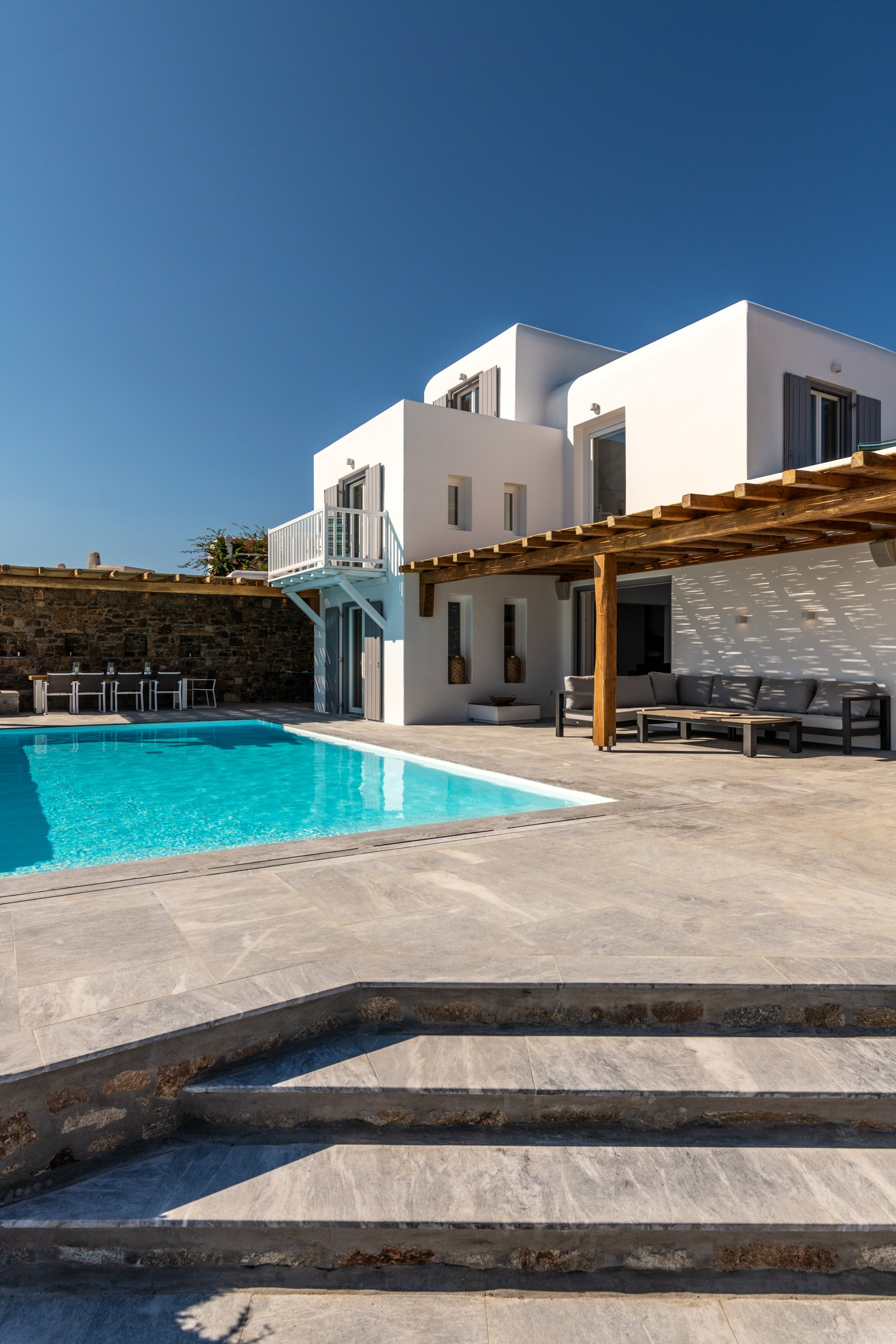 Luxury Villa with breathtaking view close to Psarou Beach