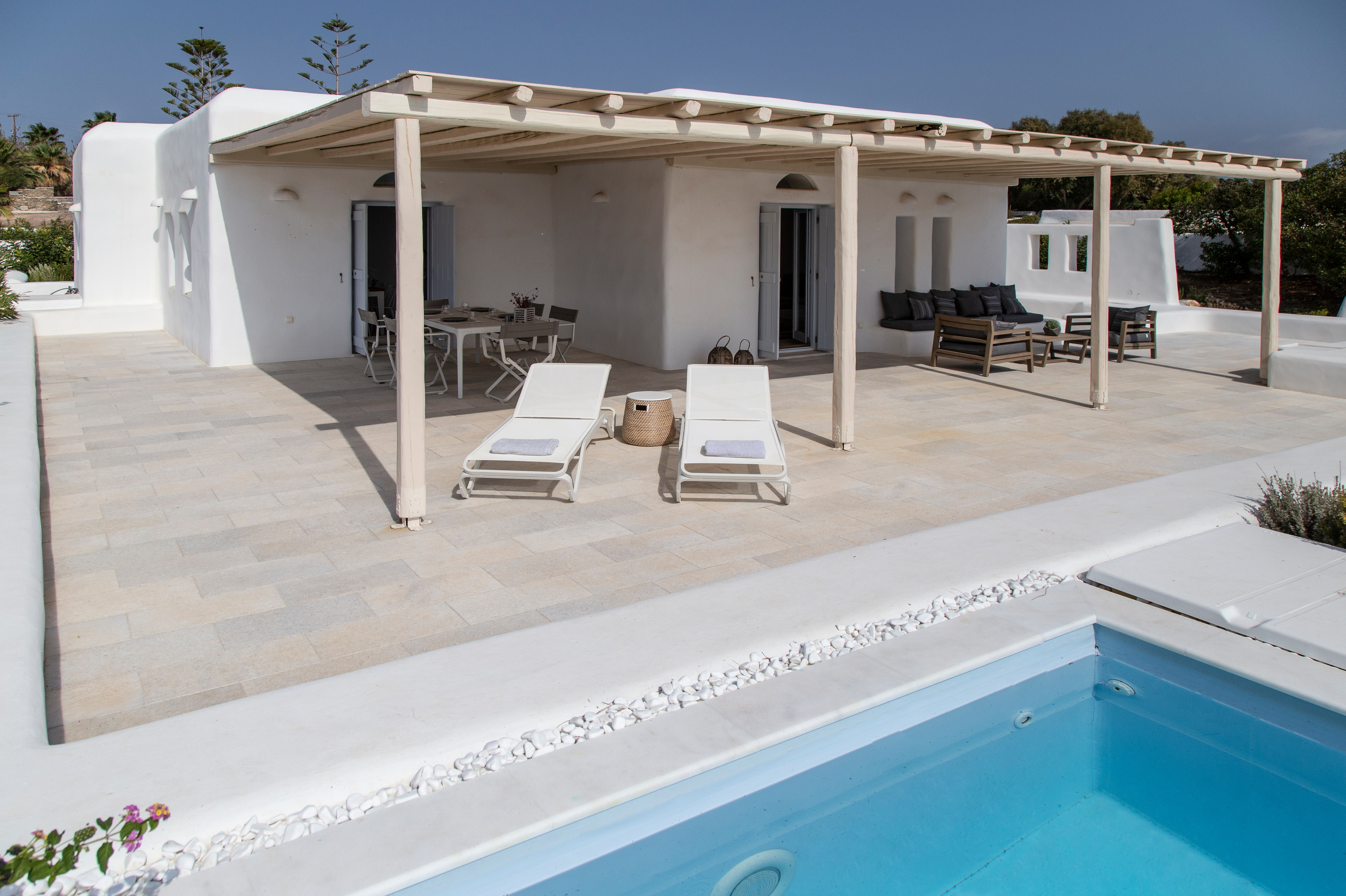 Property Image 2 - Exclusive Villa nested in Santa Maria with plunge pool