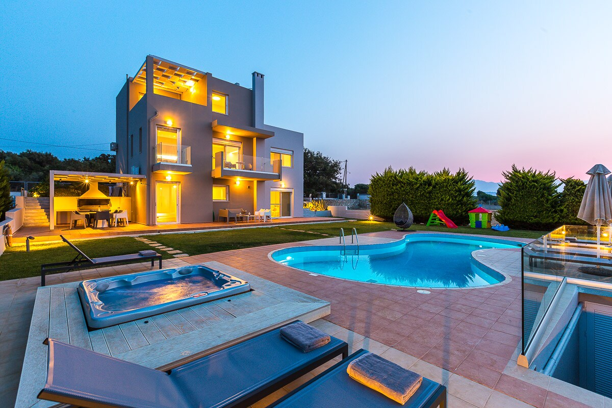 Property Image 2 - Unique Modern Villa with Spectacular Sea Views